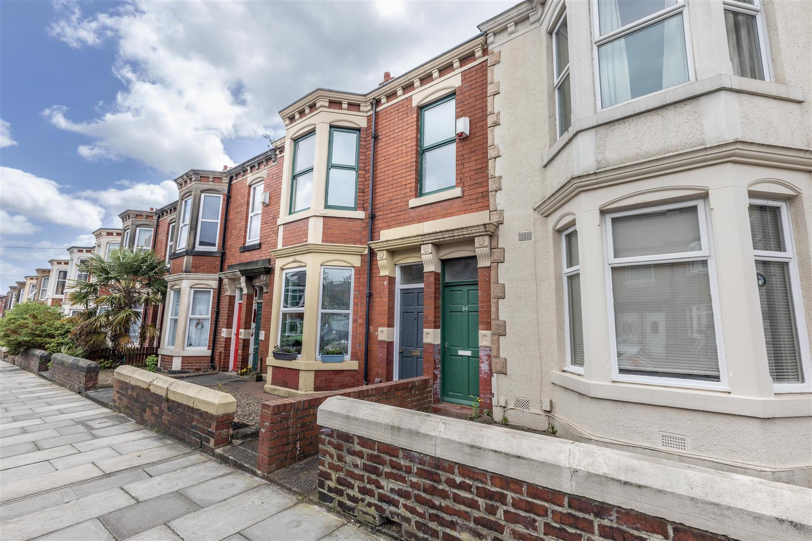 4 bed maisonette for sale in Newcastle Upon Tyne, NE6 5SL  - Property Image 1
