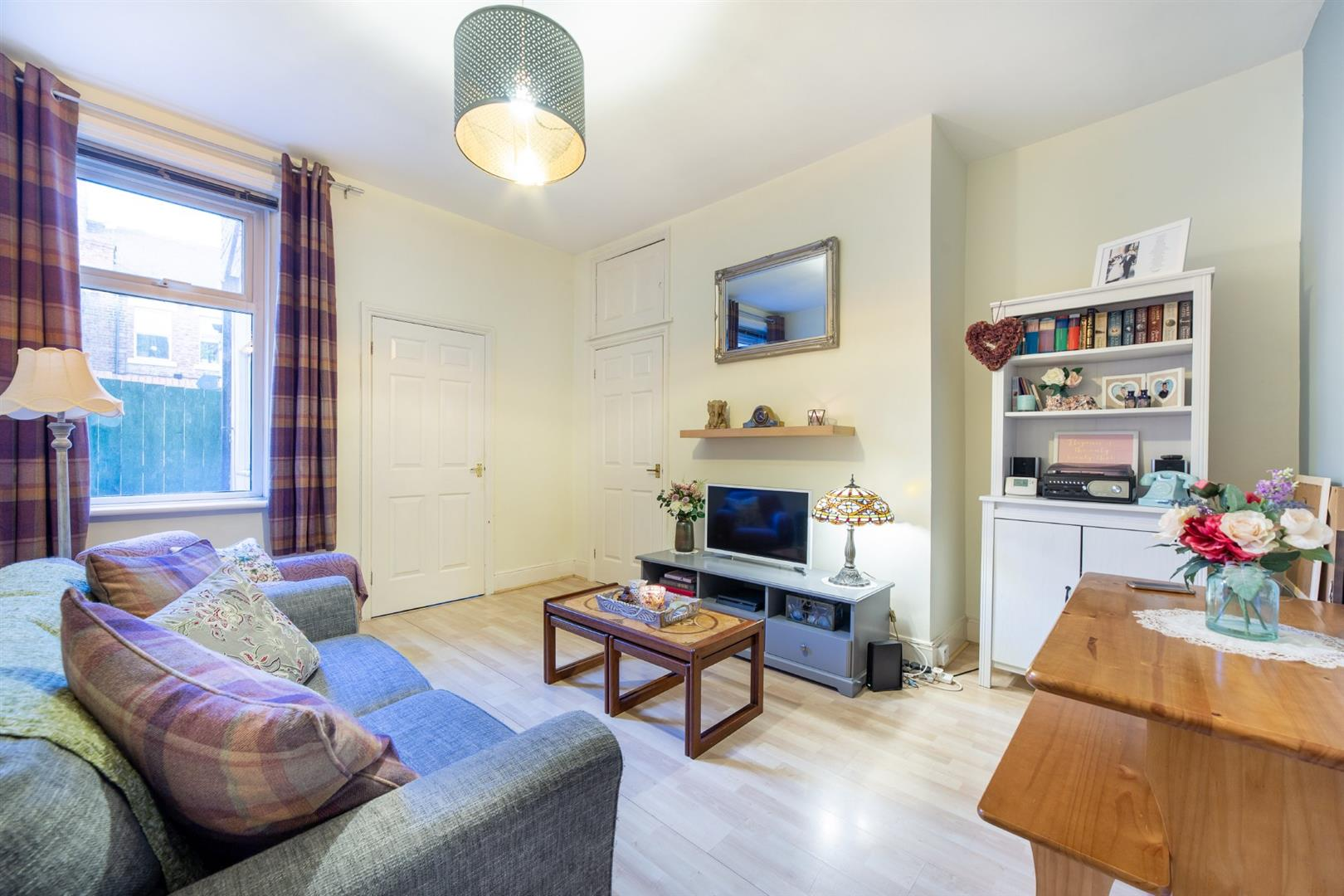 2 bed flat for sale in Newcastle Upon Tyne, NE6 5XY - Property Image 1