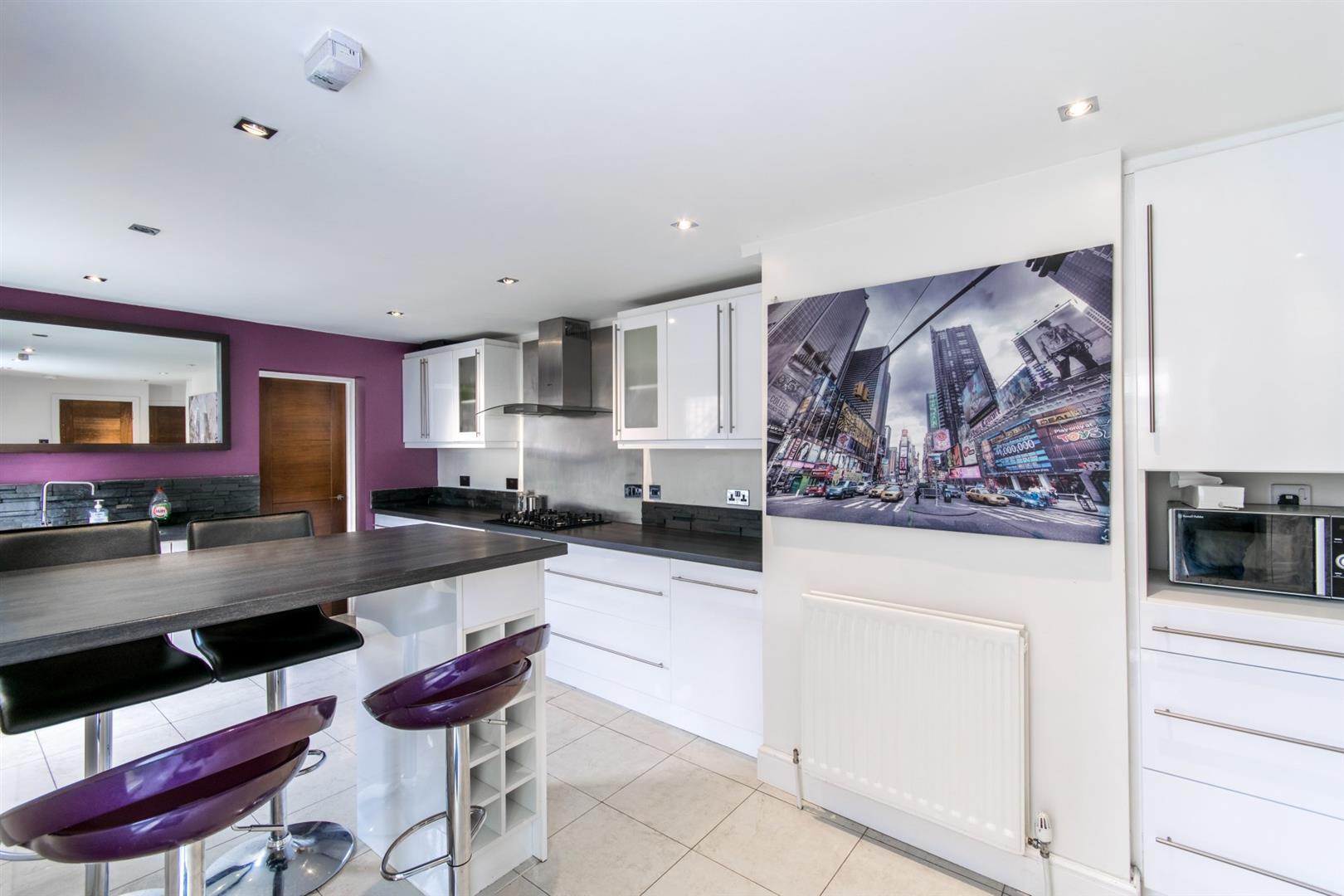 6 bed terraced house to rent in Rothbury Terrace, Heaton, NE6