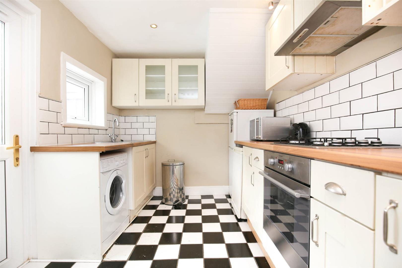 3 bed flat to rent in Third Avenue, Newcastle Upon Tyne, NE6
