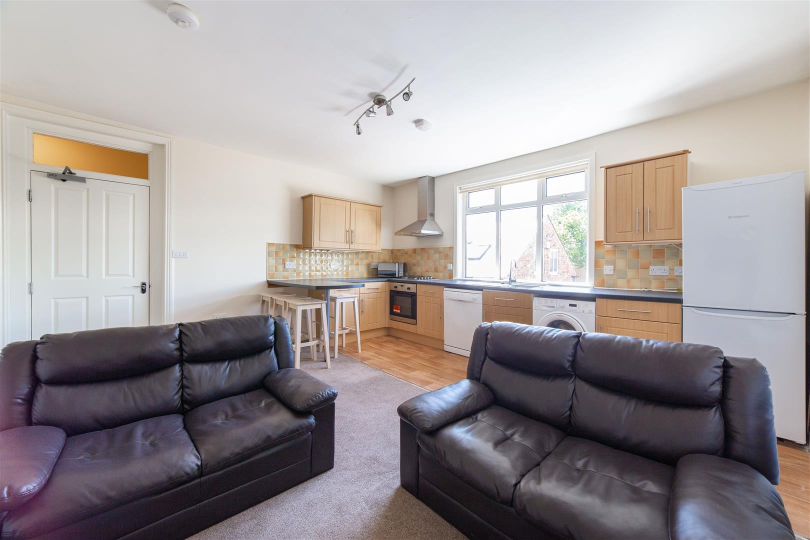 4 bed apartment to rent in Heaton Place, Heaton, NE6