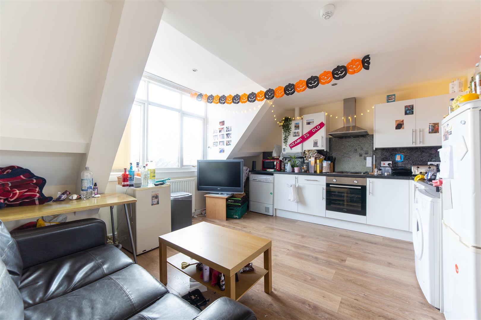 3 bed apartment to rent in Newcastle Upon Tyne, NE2 2AJ, NE2