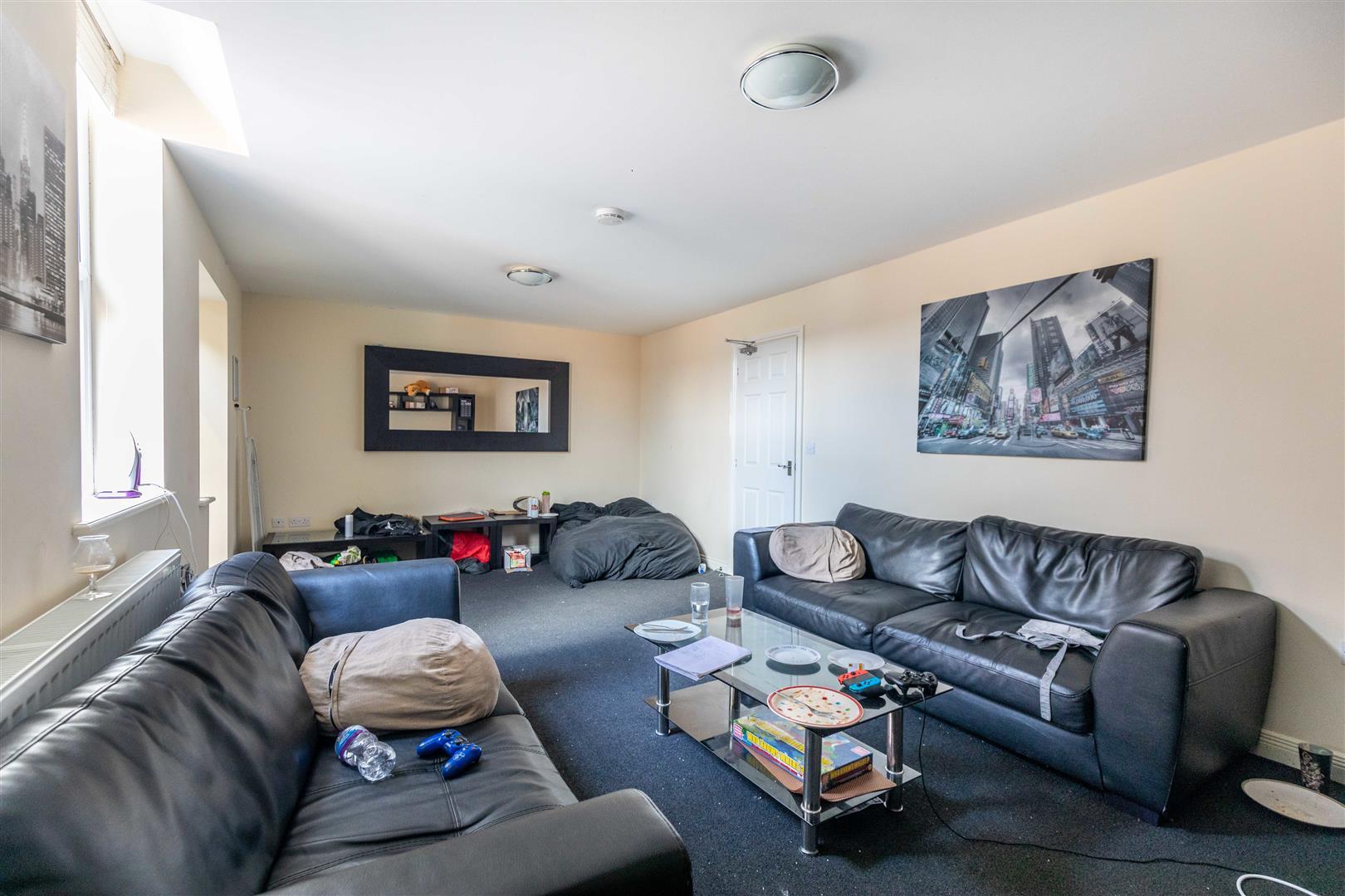 6 bed maisonette to rent in Newcastle Upon Tyne, NE2 3HT, NE2