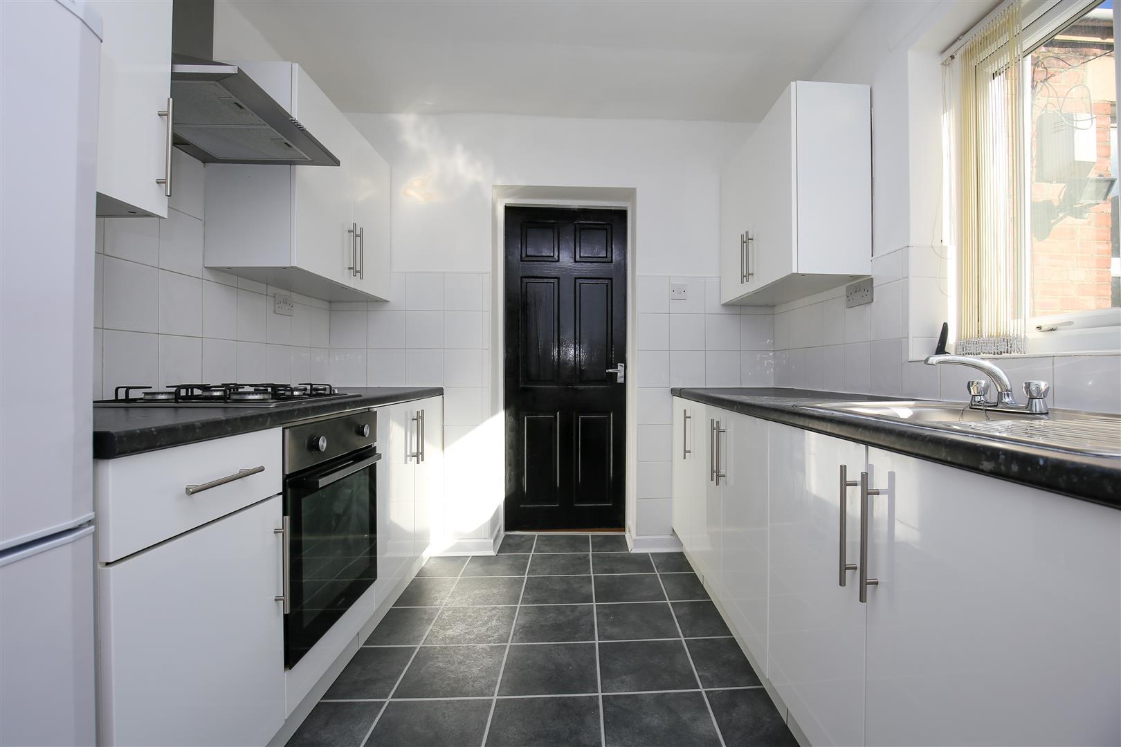 2 bed maisonette to rent in Dilston Road, Arthurs Hill, NE4
