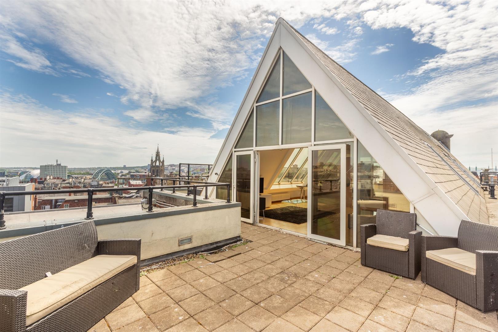2 bed penthouse to rent in Grainger Street, City Centre, NE1