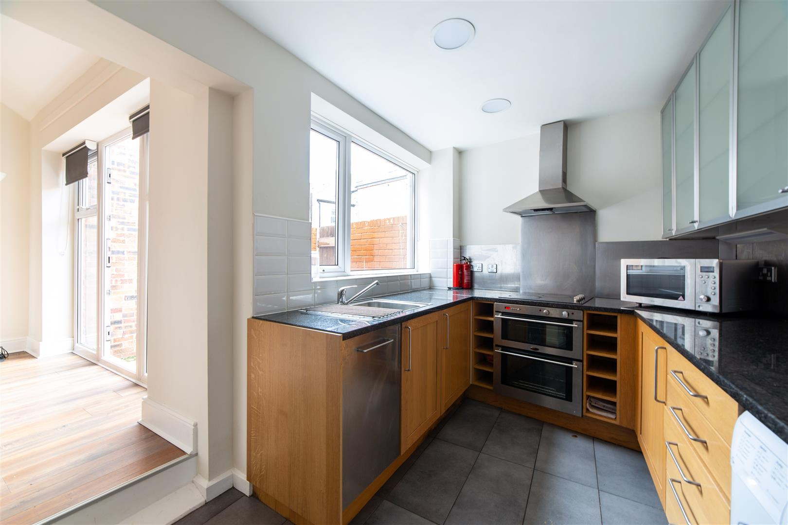6 bed terraced house to rent in Newcastle Upon Tyne, NE2 1AY  - Property Image 5