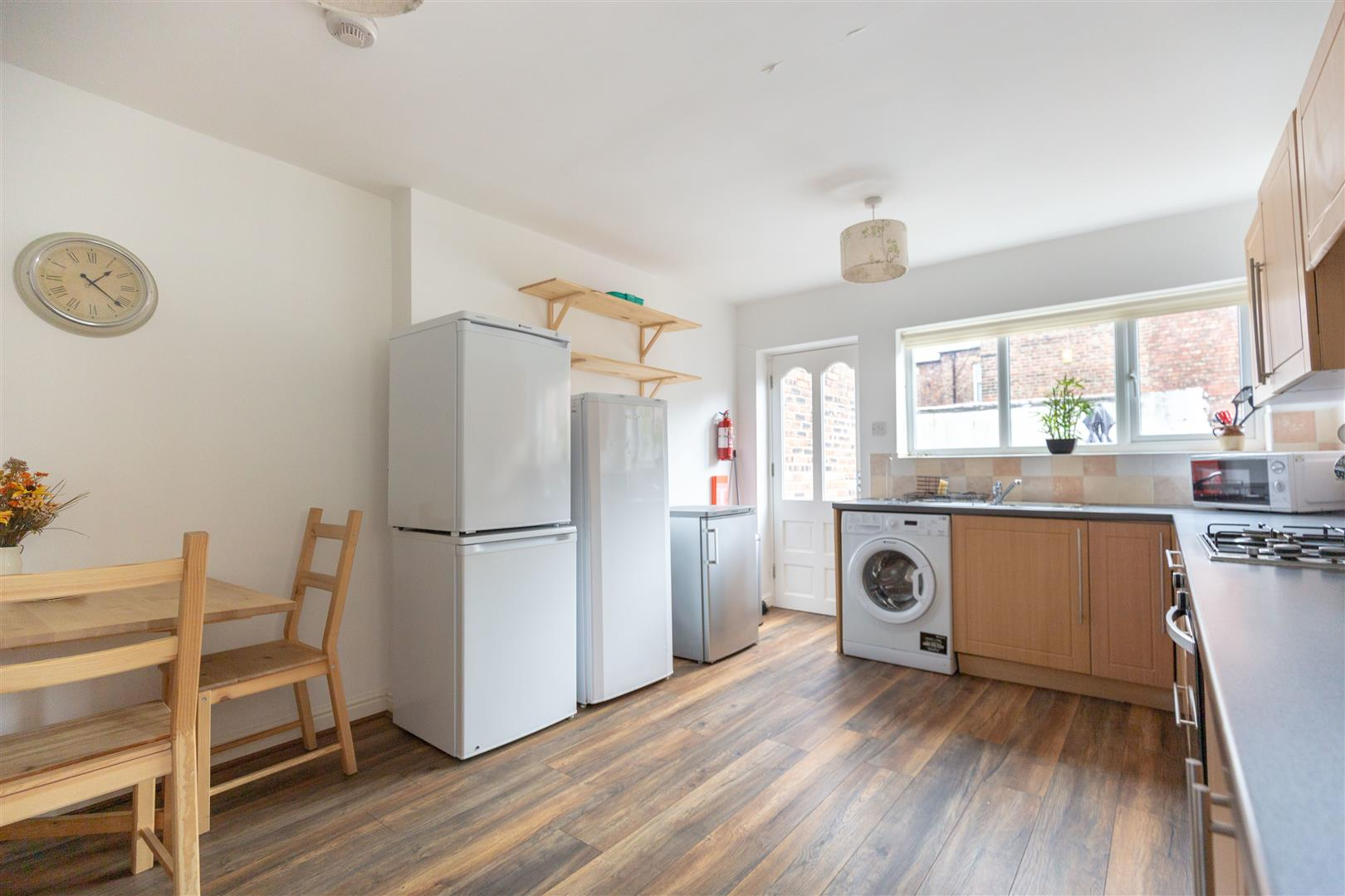 6 bed terraced house to rent in Newcastle Upon Tyne, NE6 5LR  - Property Image 2
