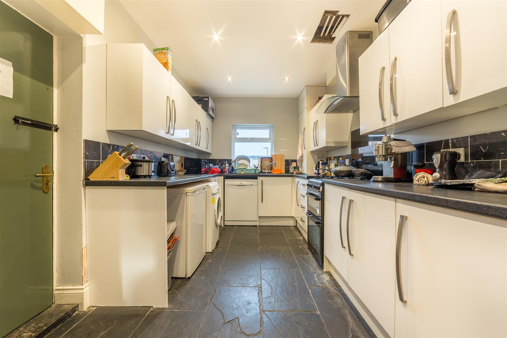 5 bed terraced house to rent in Newcastle Upon Tyne, NE4 5NL 2