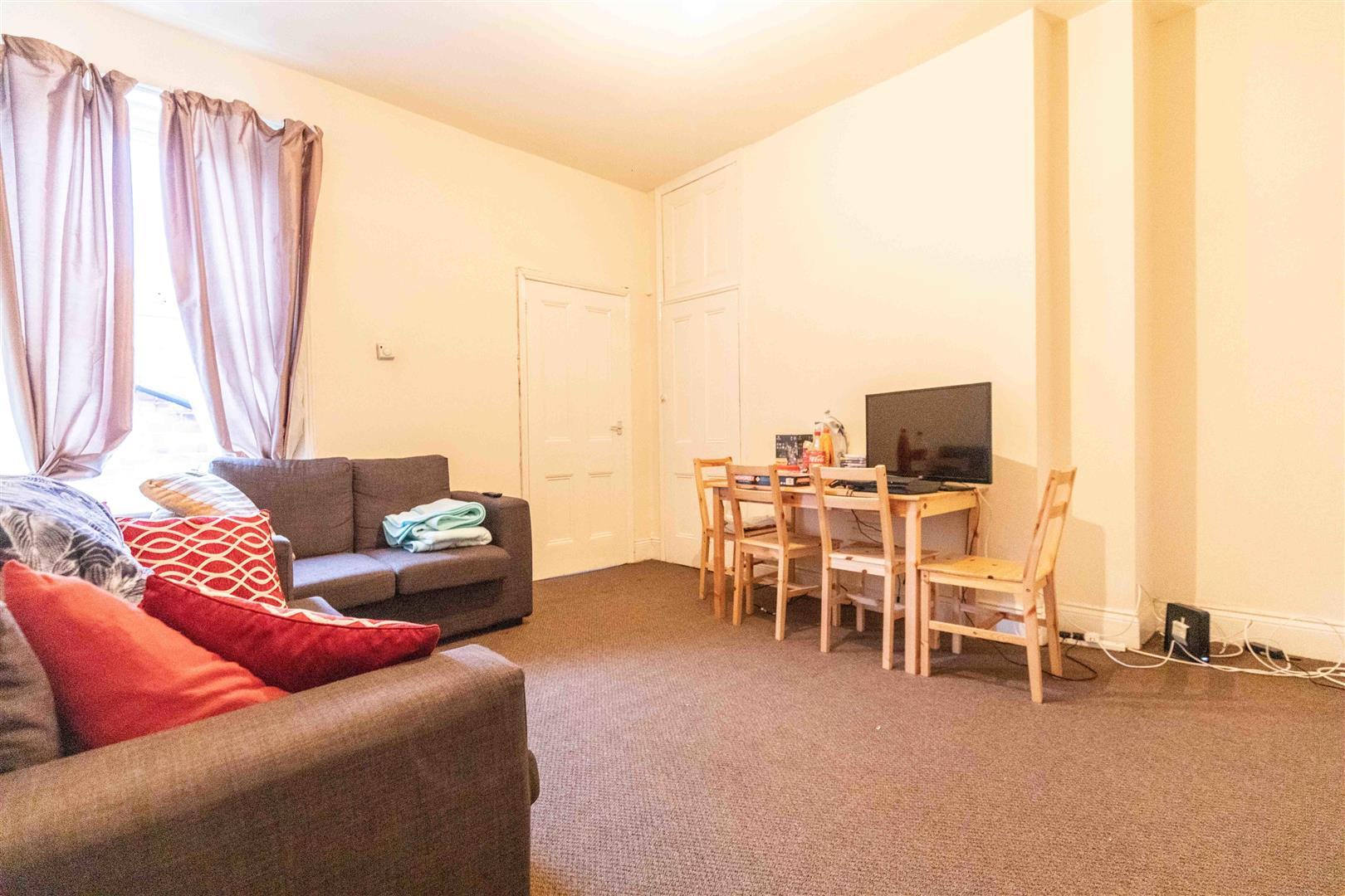 3 bed flat to rent in Hazelwood Avenue, Newcastle Upon Tyne, NE2