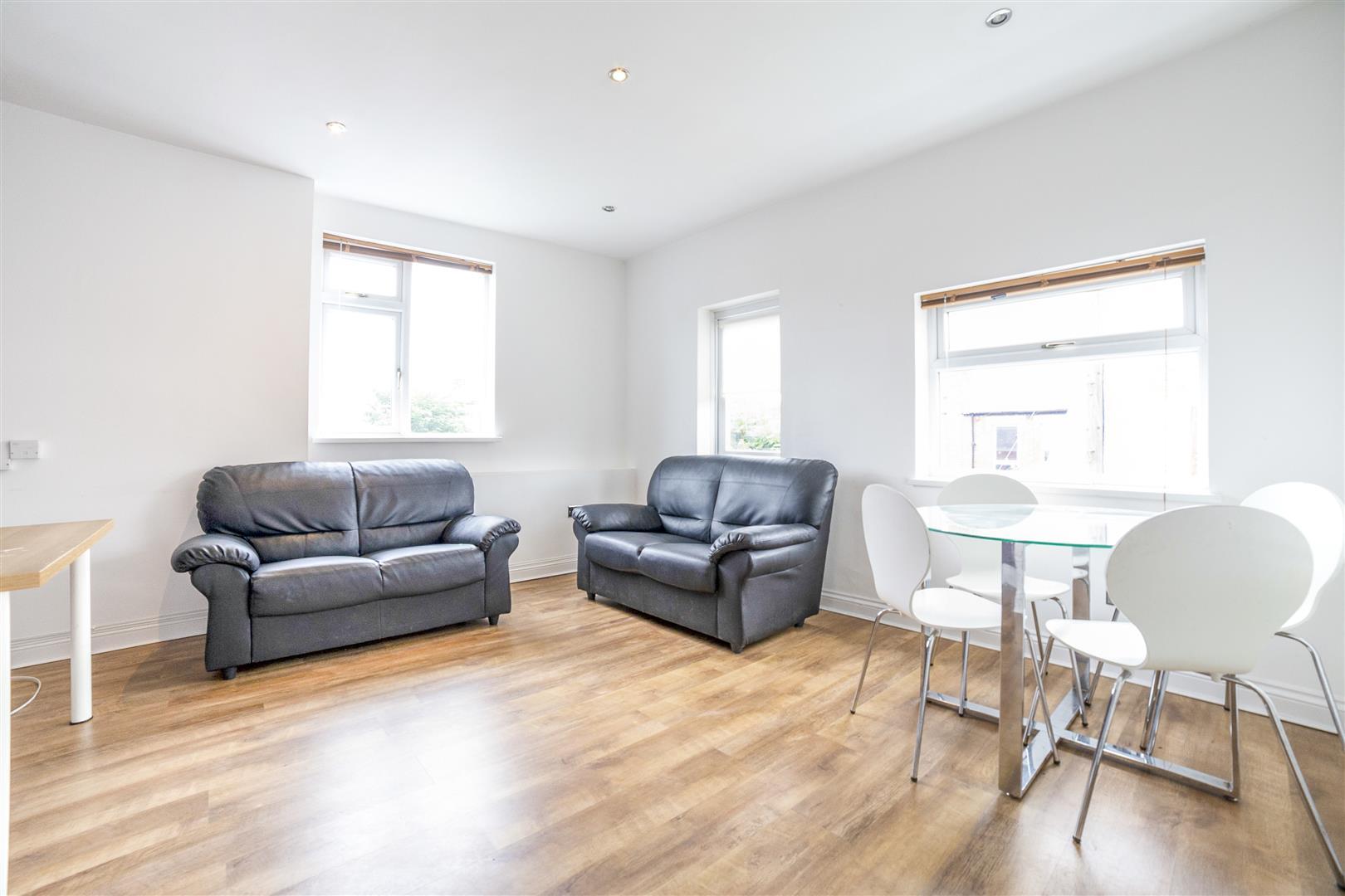4 bed maisonette to rent in Newcastle Upon Tyne, NE2 1NR, NE2