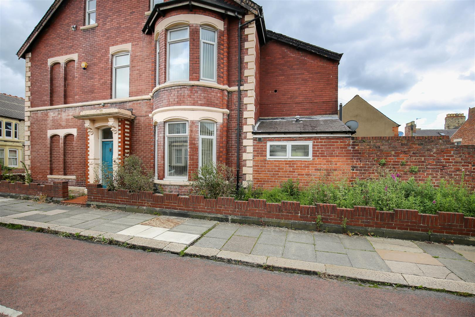 8 bed end of terrace house to rent in Queens Terrace, Jesmond  - Property Image 14