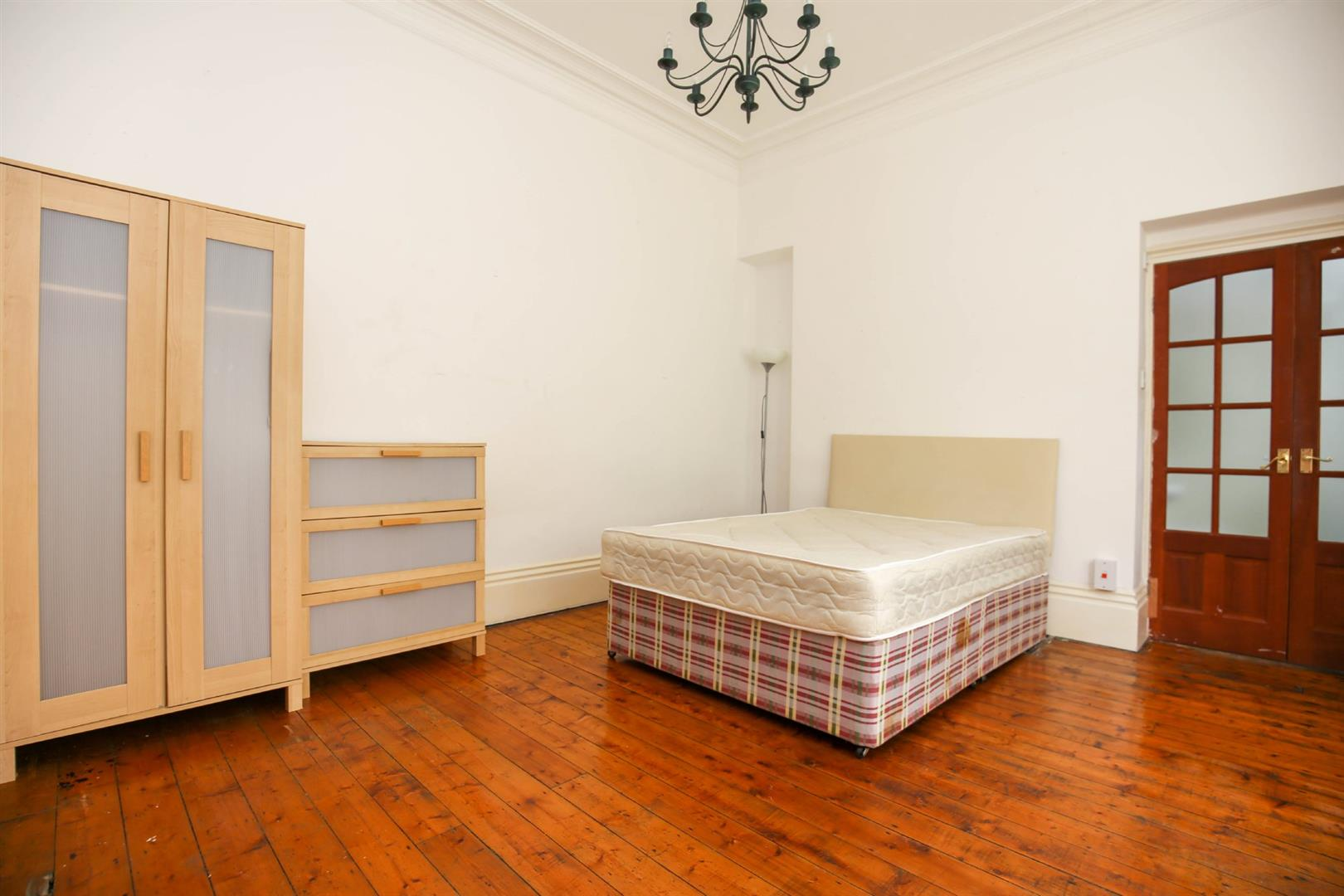 8 bed end of terrace house to rent in Queens Terrace, Jesmond  - Property Image 4