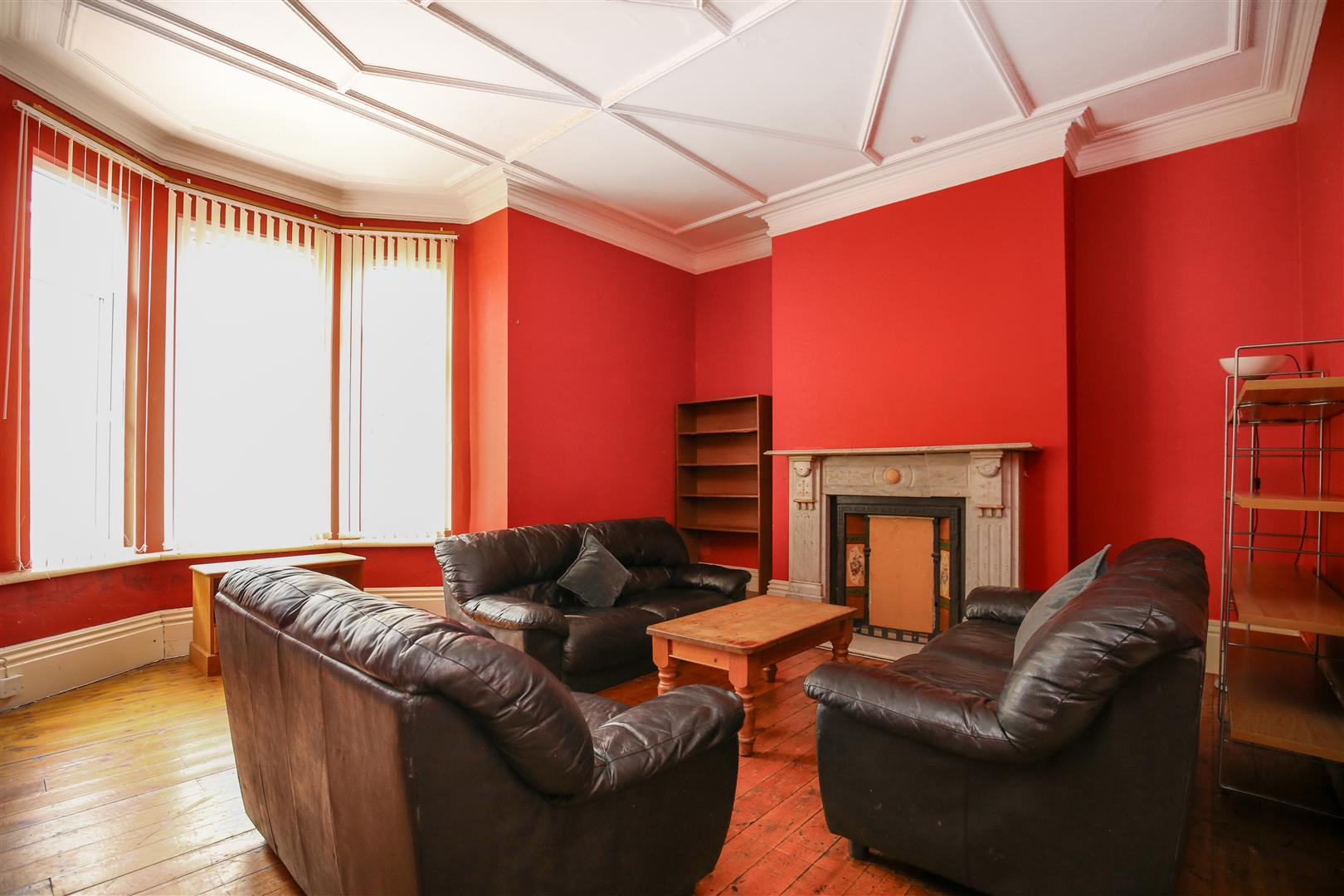 8 bed end of terrace house to rent in Queens Terrace, Jesmond  - Property Image 3