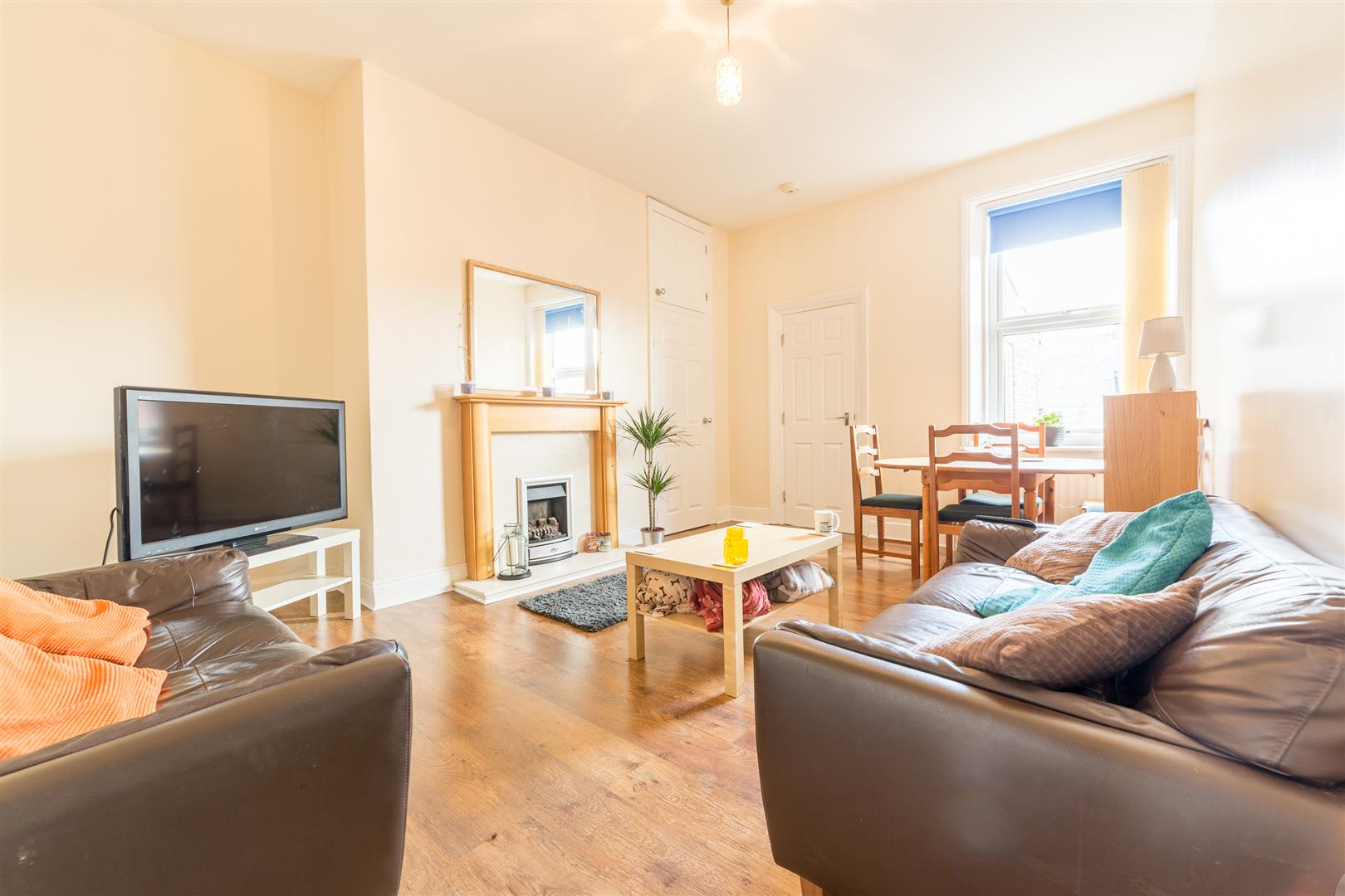 3 bed flat to rent in Newcastle Upon Tyne, NE2 1RB, NE2