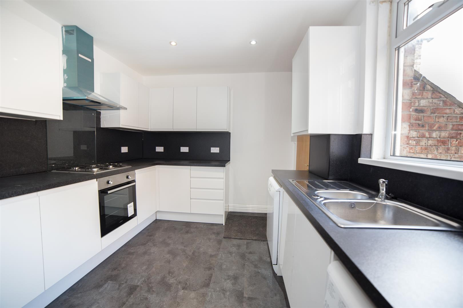 7 bed maisonette to rent in Newcastle Upon Tyne, NE2 1LB 4