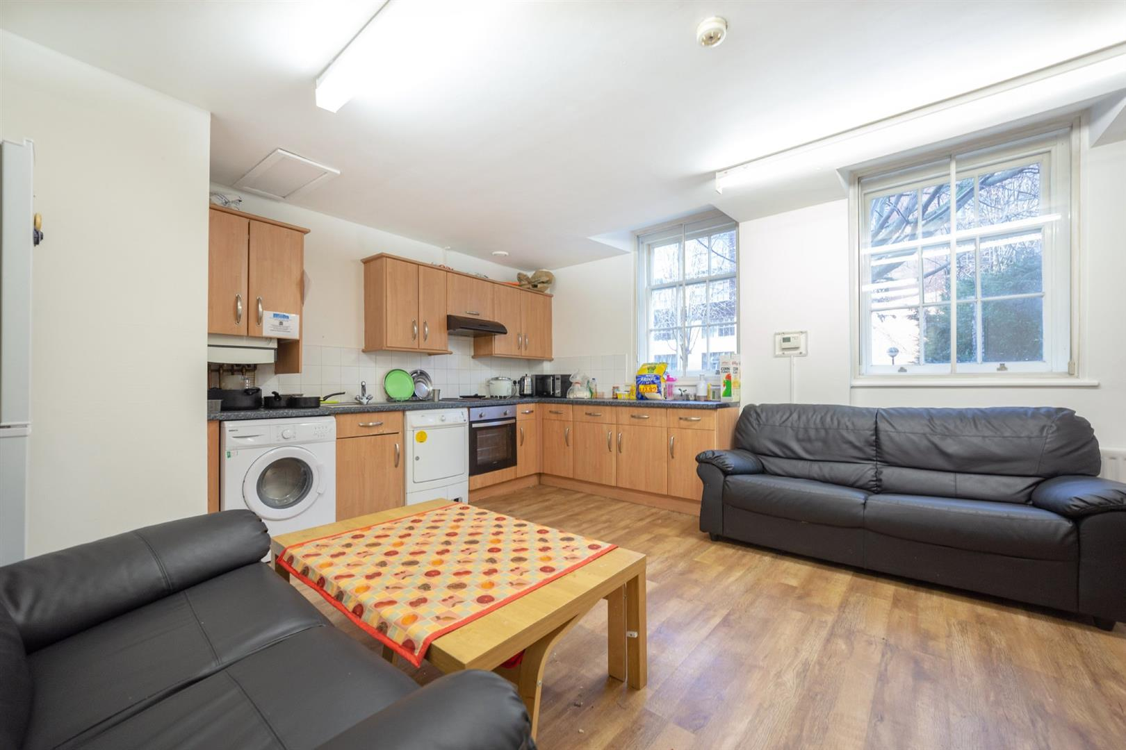 6 bed apartment to rent in Tyne And Wear, NE1 5DZ - Property Image 1