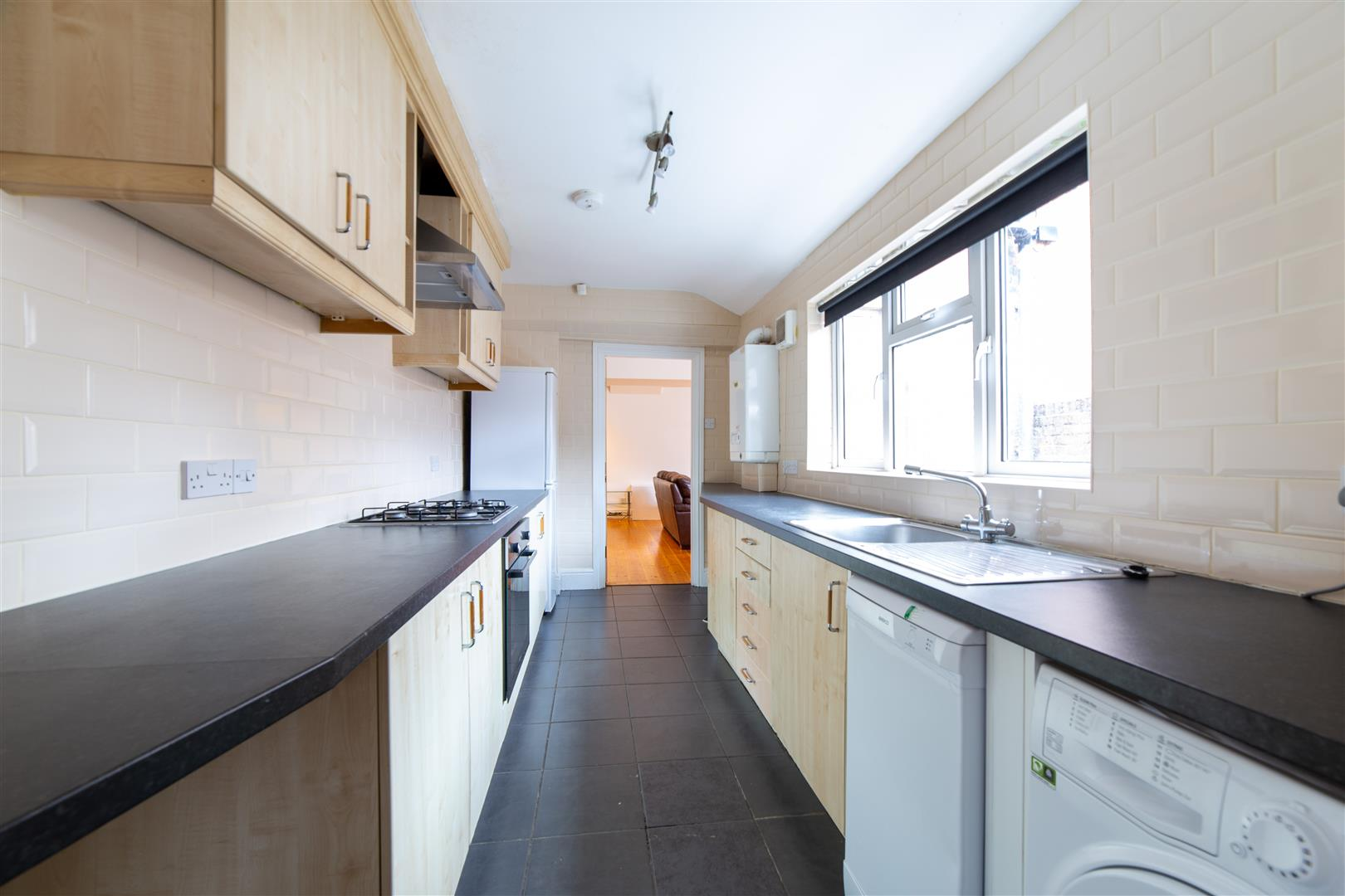 5 bed terraced house to rent in Newcastle Upon Tyne, NE6 5SN - Property Image 1