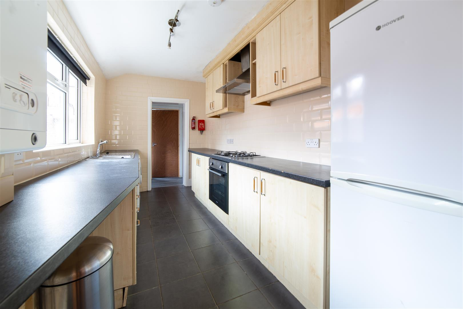 5 bed terraced house to rent in Newcastle Upon Tyne, NE6 5SN 1