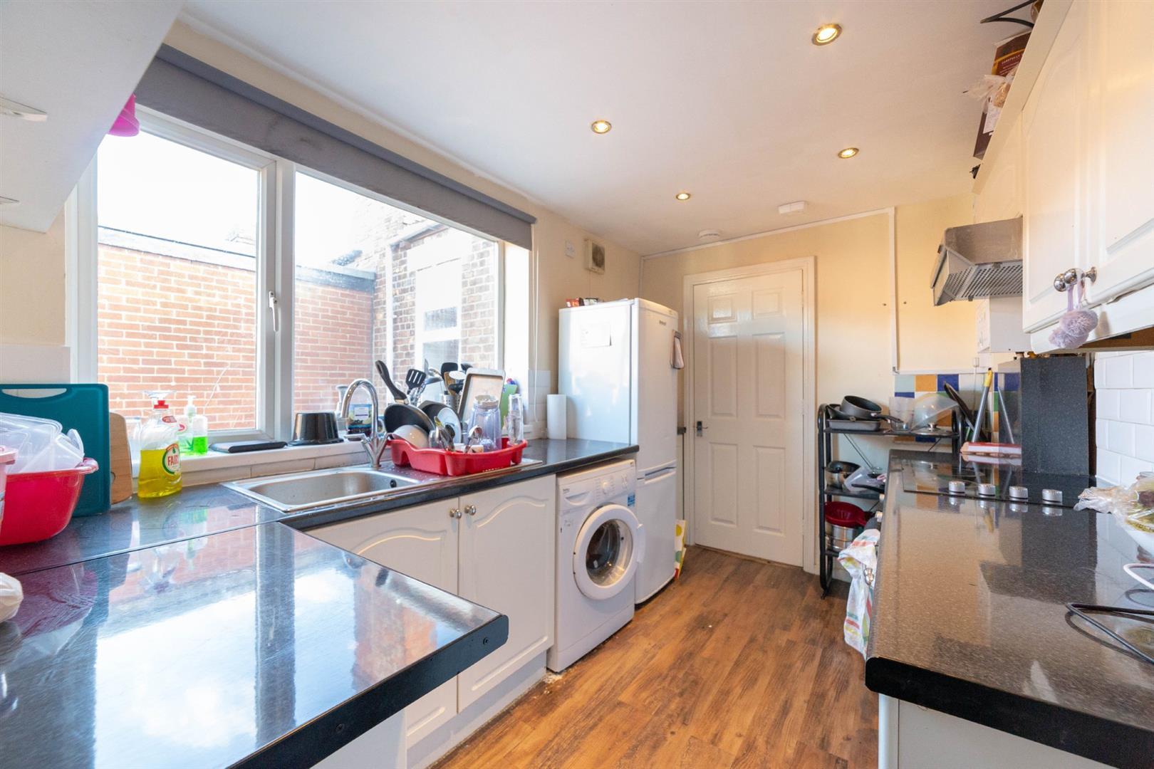 5 bed maisonette to rent in Newcastle Upon Tyne, NE6 5AR 0