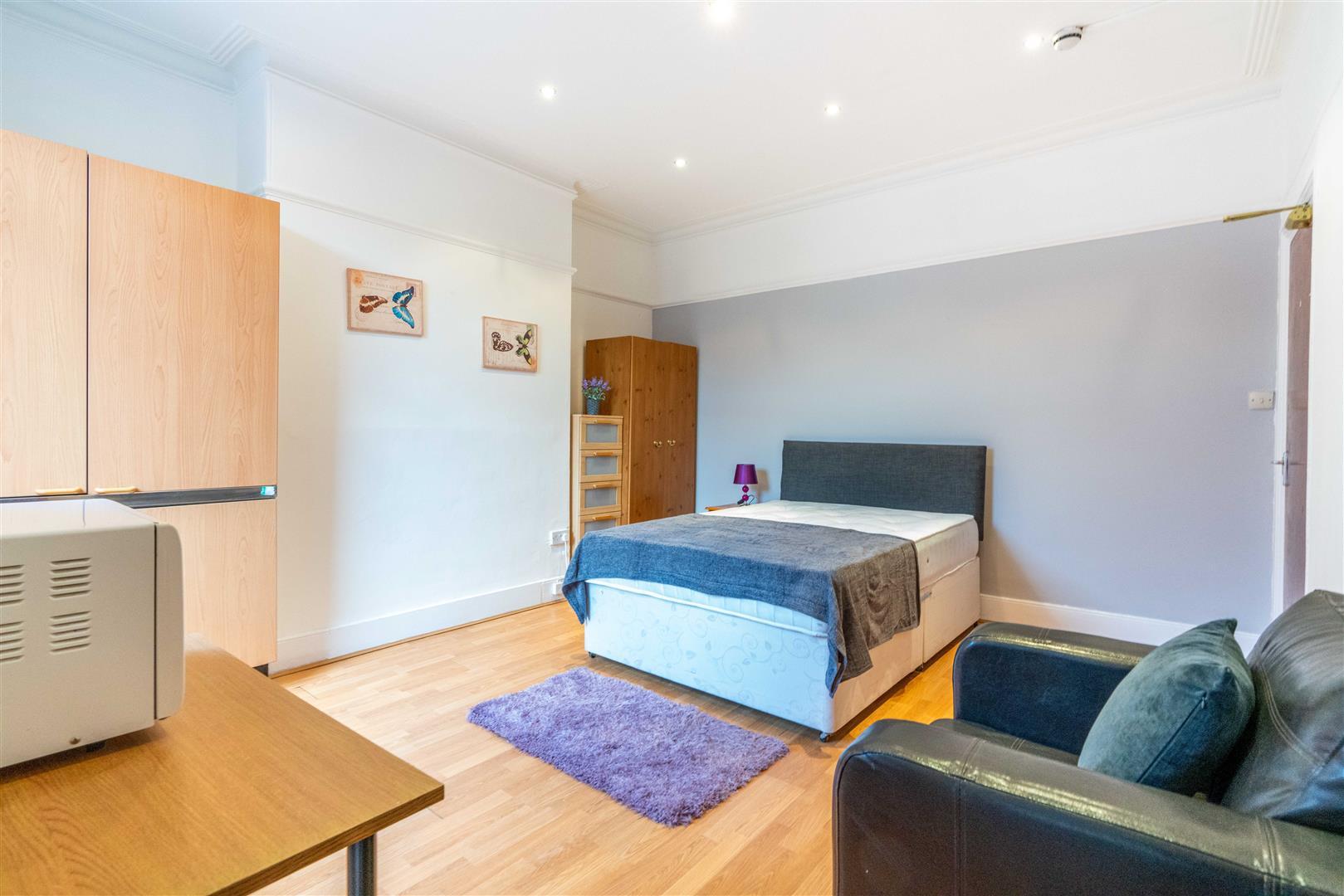 1 bed studio flat to rent in Stannington Grove, Heaton - Property Image 1