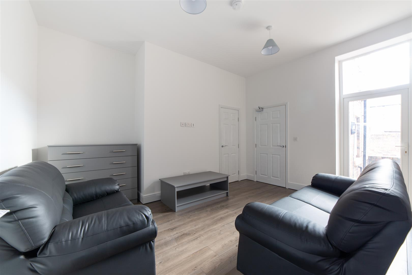 2 bed flat to rent in Newcastle Upon Tyne, NE6 5SP - Property Image 1
