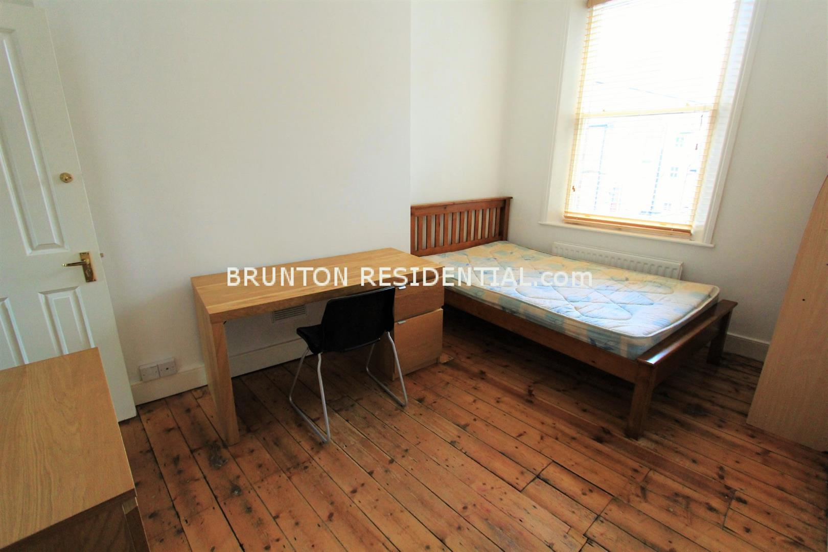 6 bed terraced house to rent in Claremont Street, Spital Tongues 7