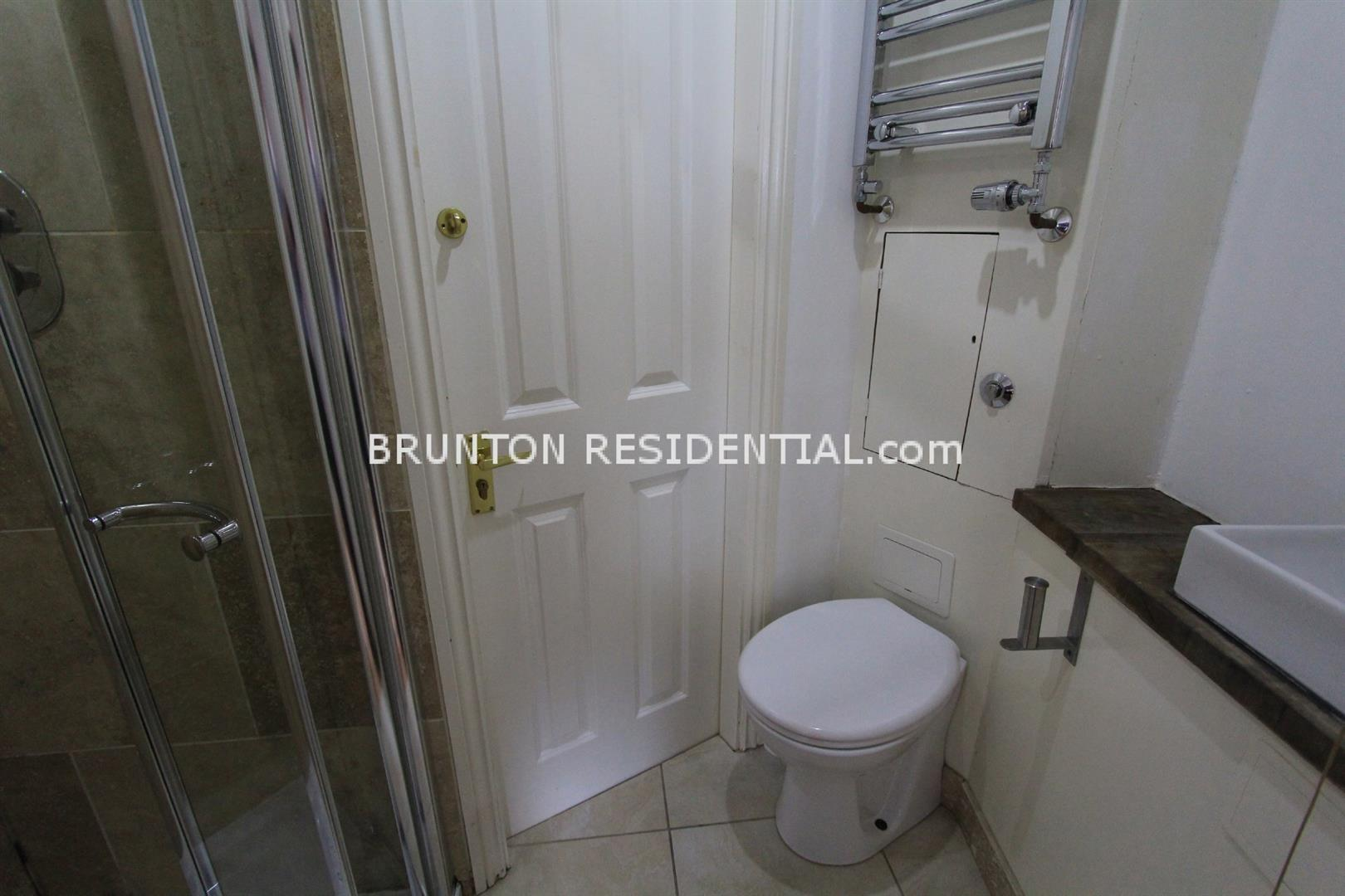 6 bed terraced house to rent in Claremont Street, Spital Tongues 14