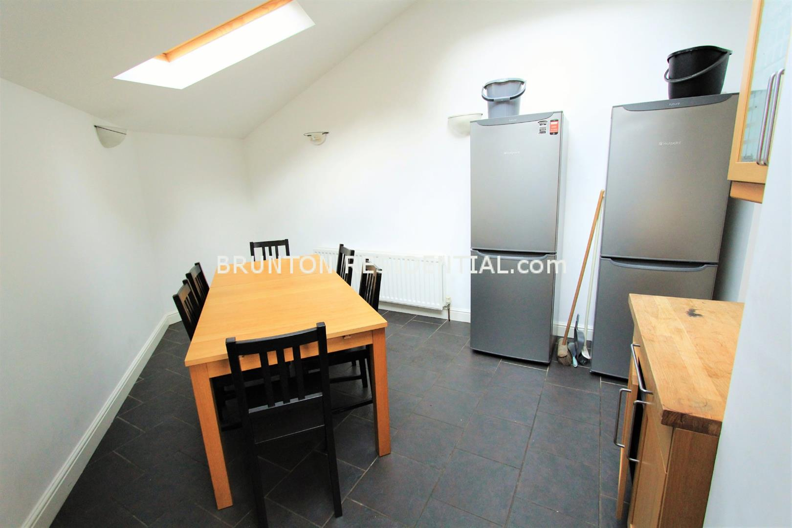 6 bed terraced house to rent in Claremont Street, Spital Tongues 1