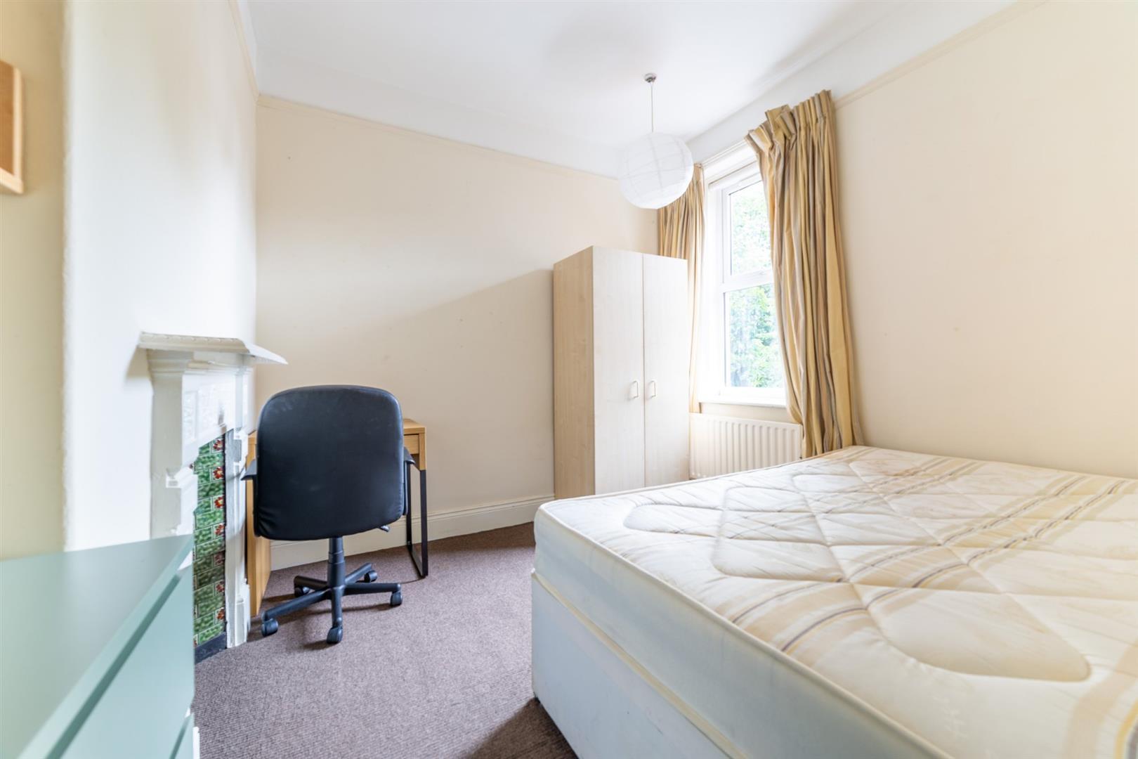 6 bed semi-detached house to rent in Osborne Road, Jesmond 7