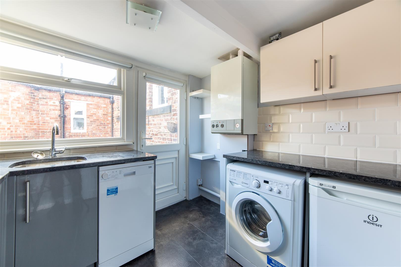 2 bed flat to rent in Newcastle Upon Tyne, NE2 3AN  - Property Image 1