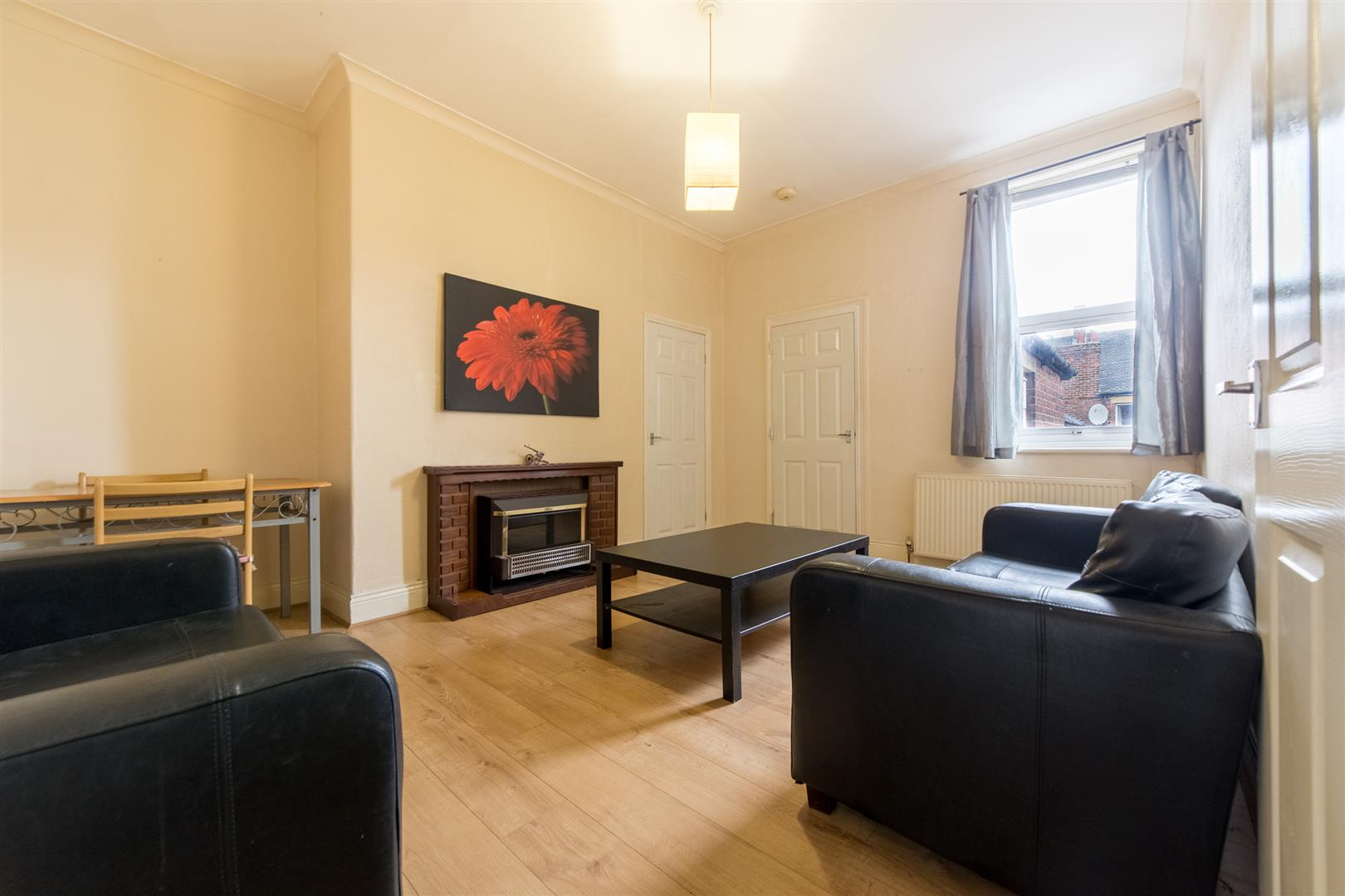 2 bed flat to rent in Newcastle Upon Tyne, NE6 5DD 0