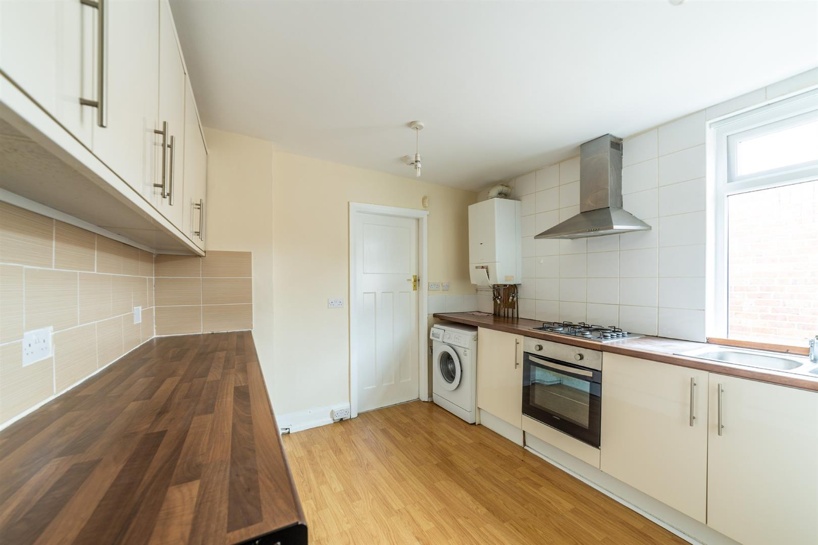 3 bed flat to rent in Newcastle Upon Tyne, NE2 2JS  - Property Image 3