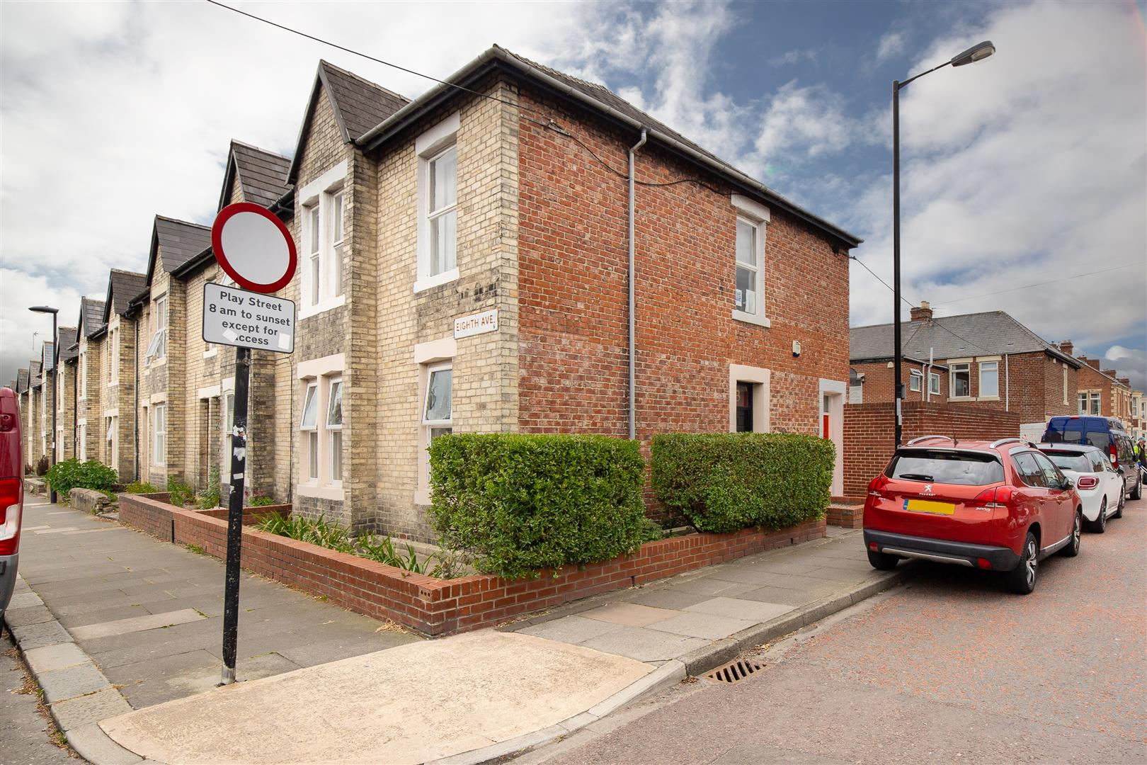 2 bed flat for sale in Newcastle Upon Tyne, NE6 5XS - Property Image 1
