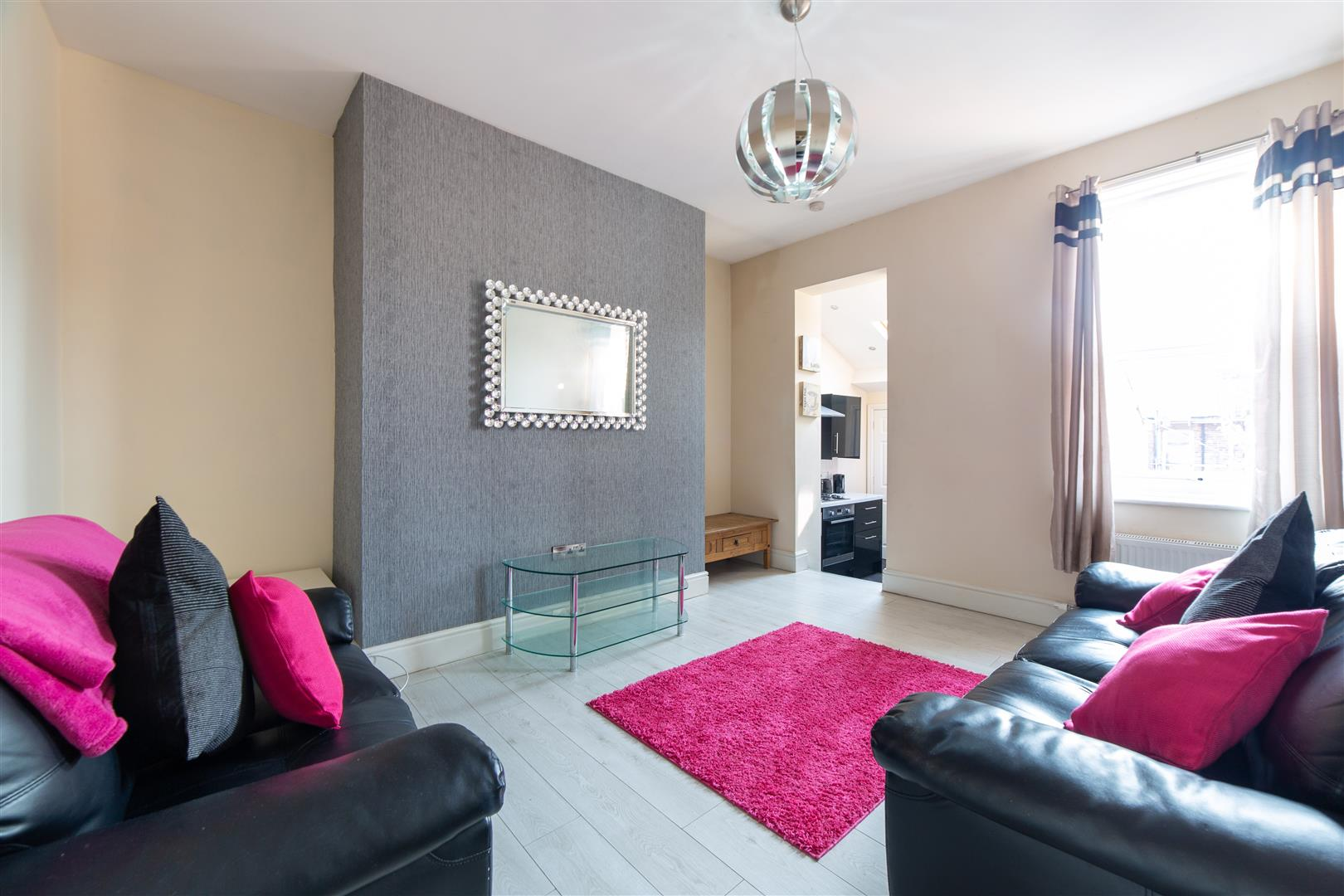 3 bed flat to rent in Newcastle Upon Tyne, NE6 5LU 0