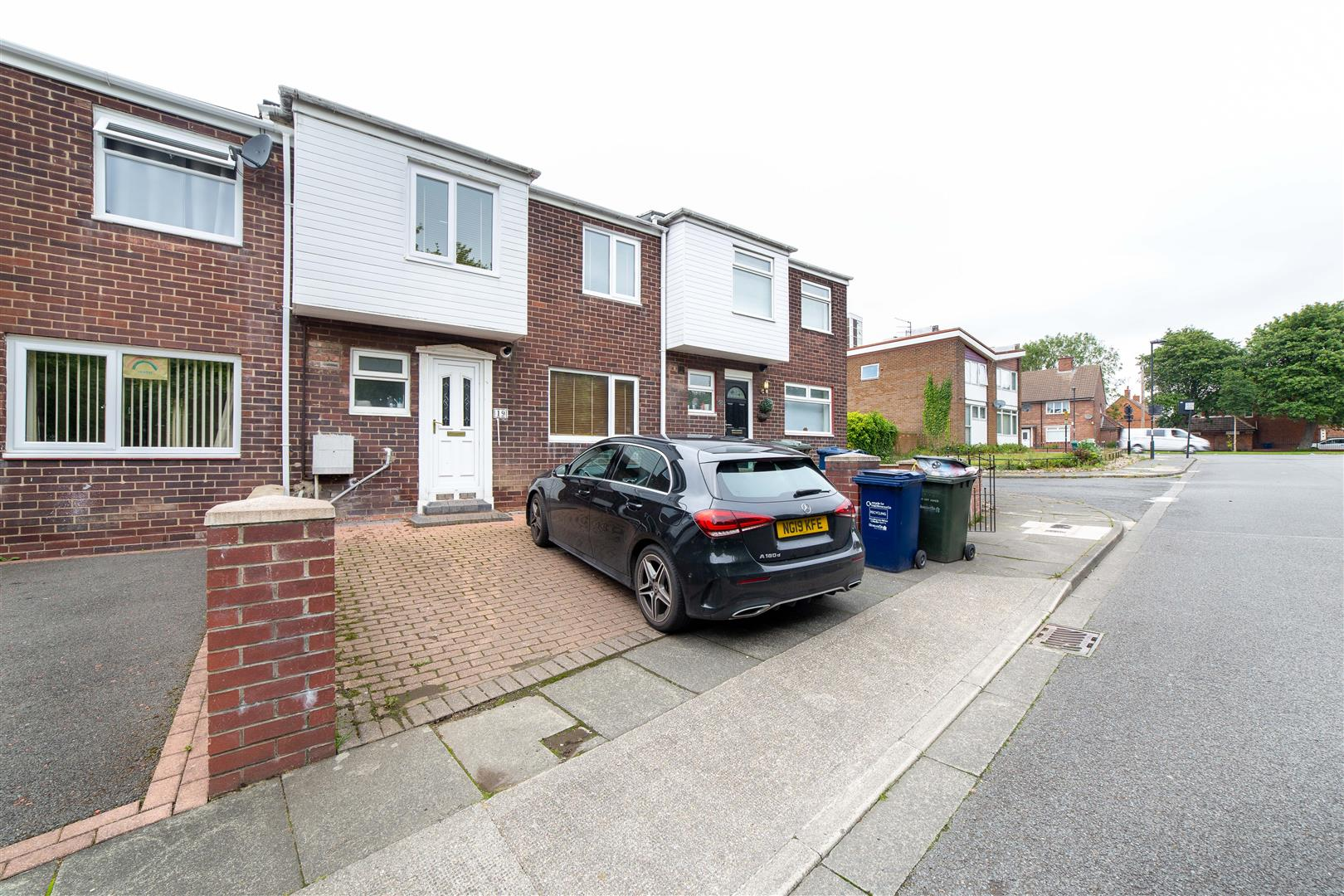 3 bed terraced house to rent in Henry Square, Newcastle Upon Tyne, NE2