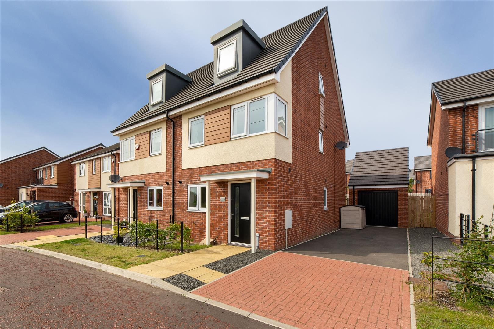 3 bed town house for sale in Newcastle Upon Tyne, NE13 9DE, NE13