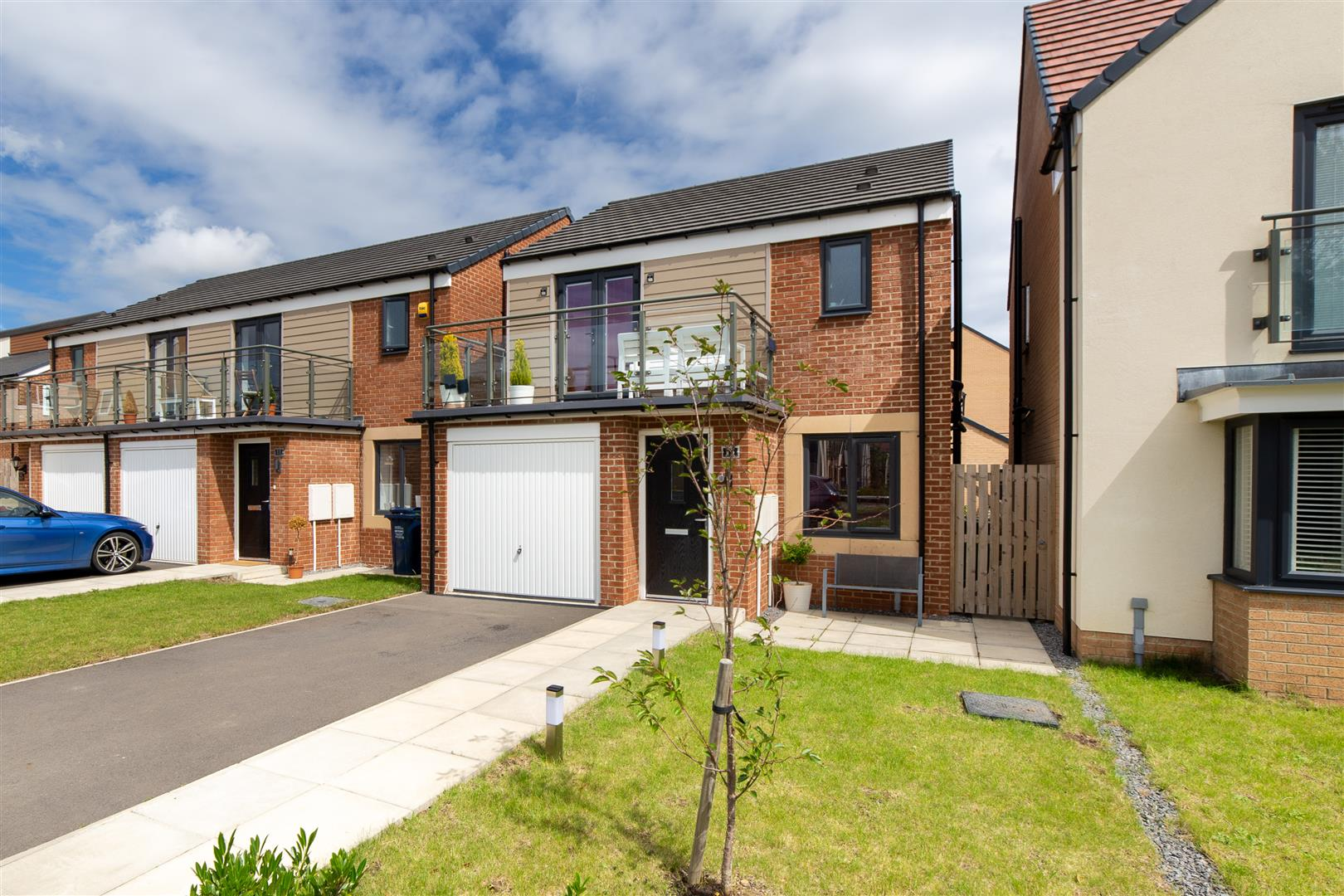 3 bed detached house for sale in Newcastle Upon Tyne, NE13 9DQ - Property Image 1