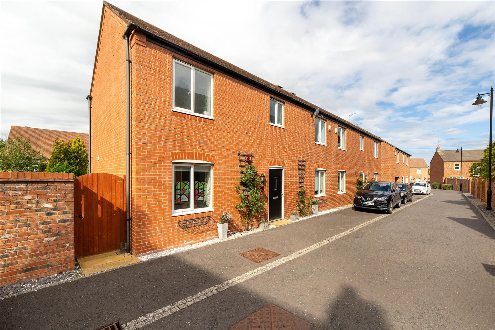 3 bed semi-detached house for sale in Great Park, NE3 5RB - Property Image 1