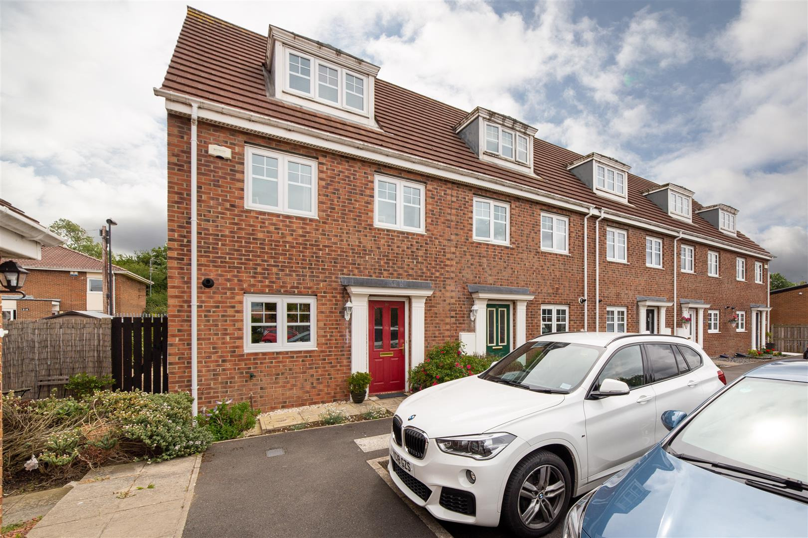 3 bed town house for sale in Longbenton, NE12 8TN  - Property Image 1
