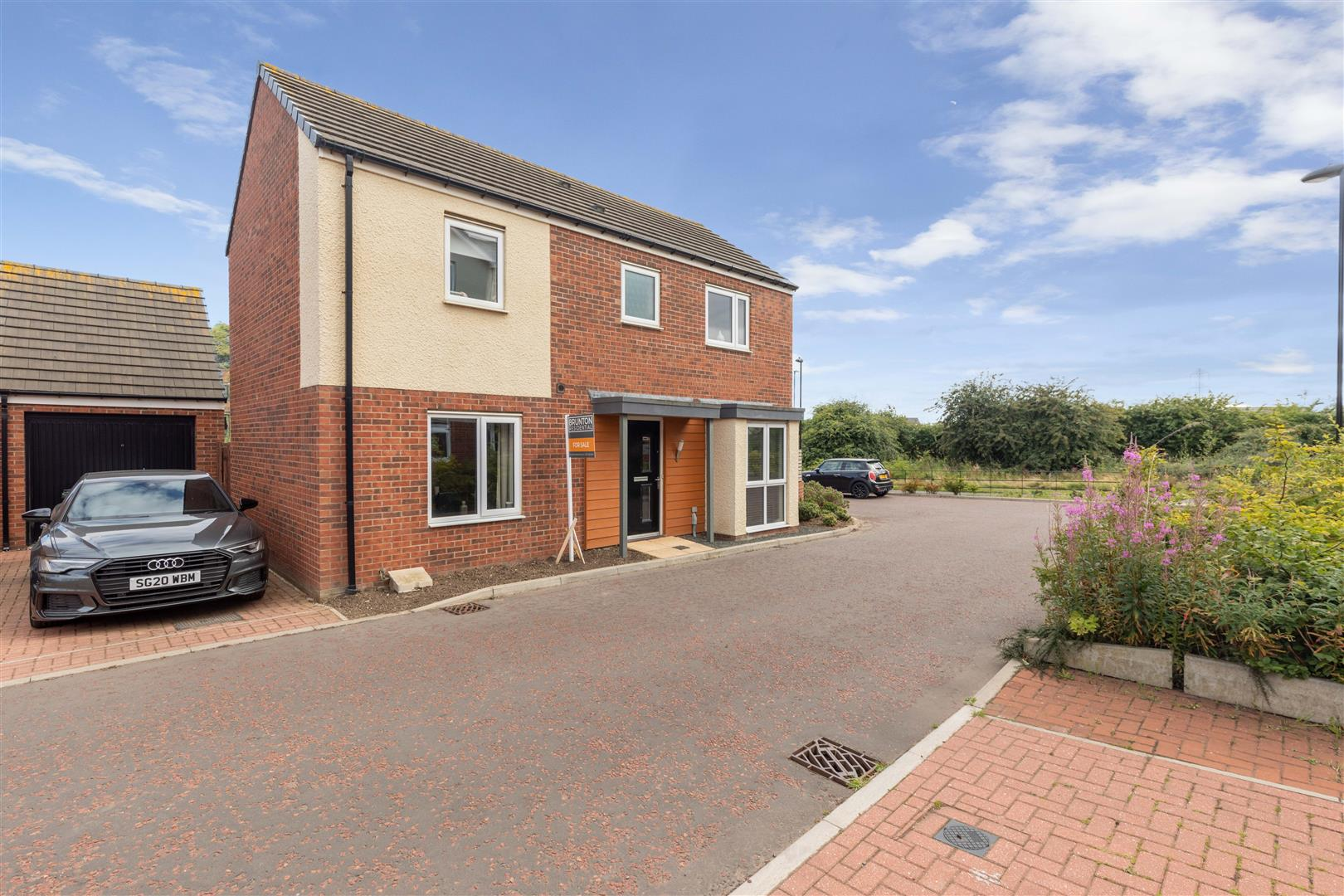 3 bed detached house for sale in Newcastle Upon Tyne, NE13 9BW - Property Image 1