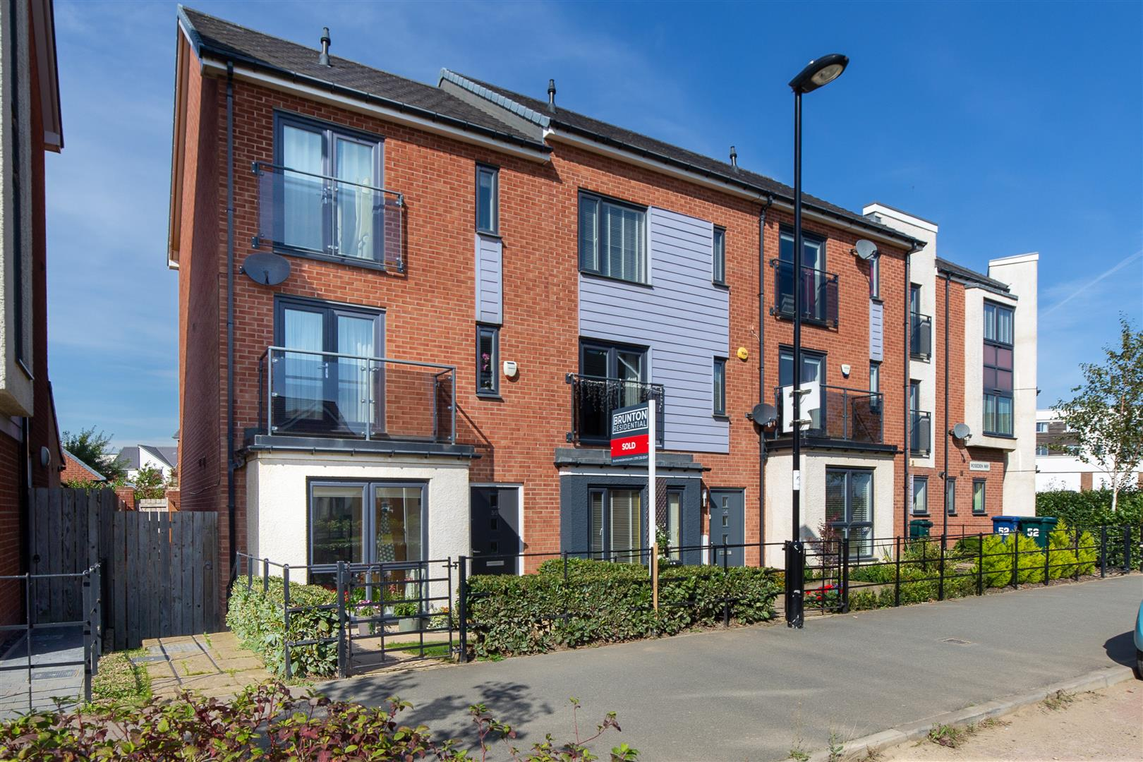 4 bed town house for sale in Newcastle Upon Tyne, NE13 9BN - Property Image 1