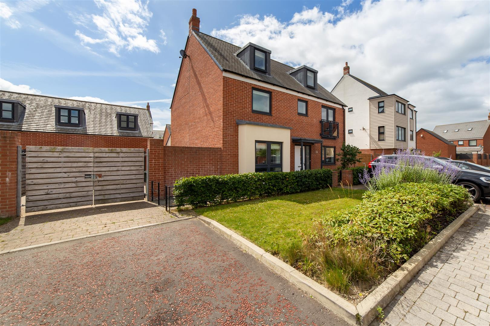 5 bed detached house for sale in Newcastle Upon Tyne, NE13 9AG  - Property Image 1