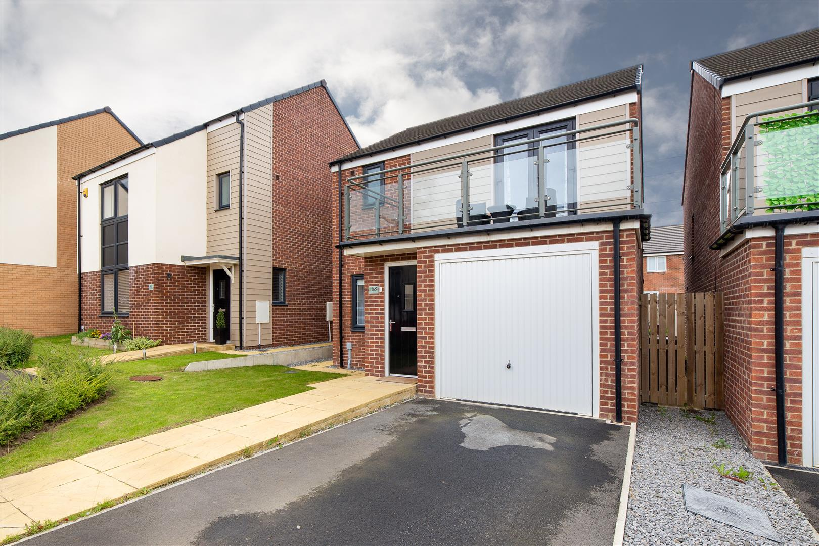 3 bed detached house for sale in Newcastle Upon Tyne, NE13 9DW 0