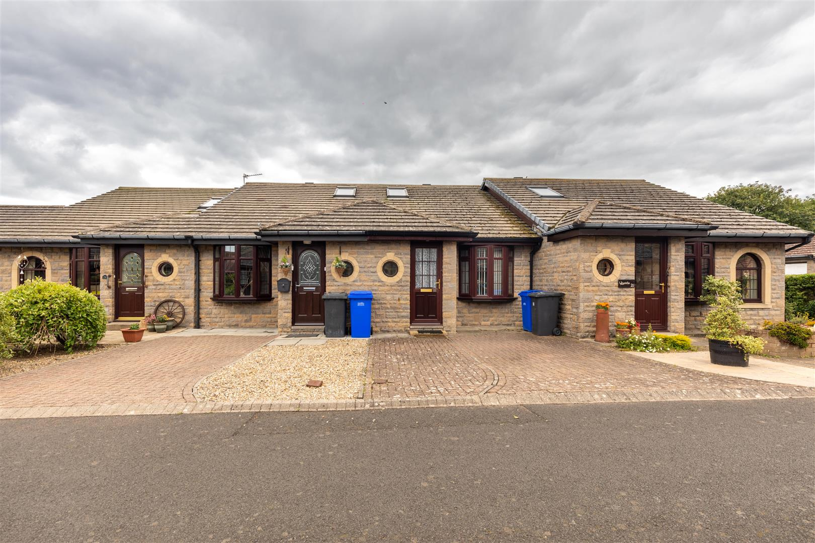 2 bed terraced bungalow for sale in Harcar Court, Seahouses  - Property Image 1