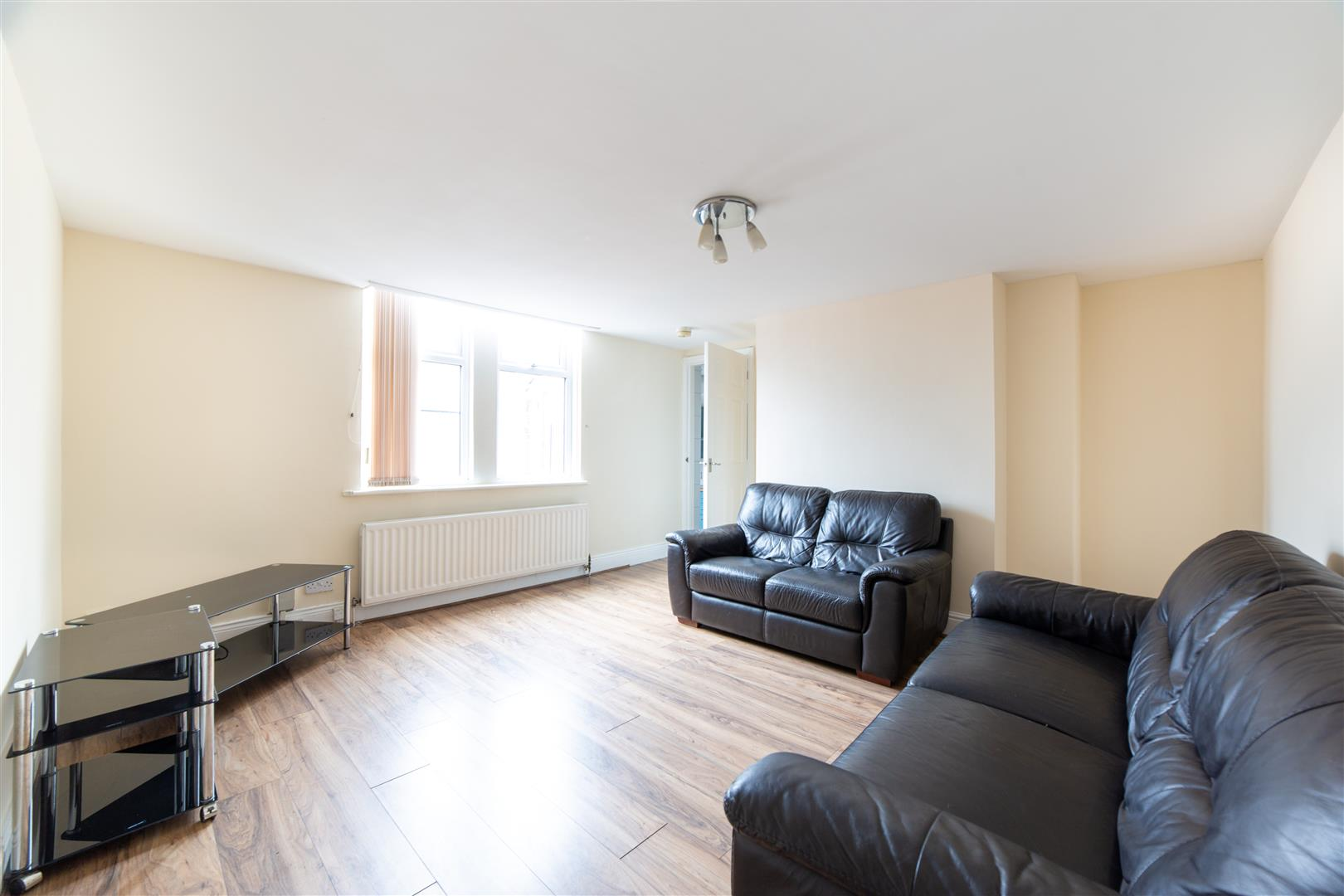 3 bed flat to rent in Newcastle Upon Tyne, NE6 5SX, NE6