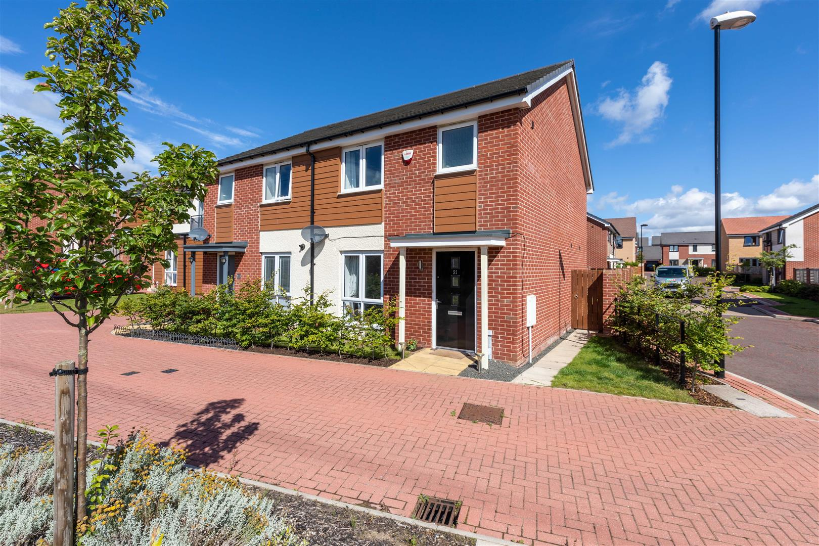 3 bed semi-detached house for sale in Newcastle Upon Tyne, NE13 9DE  - Property Image 1