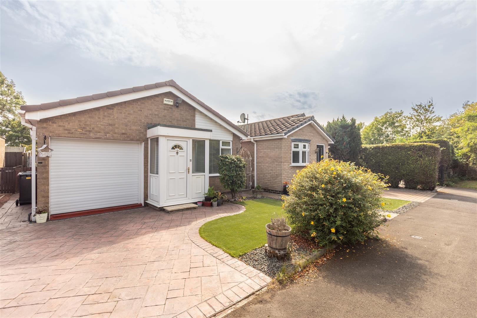 2 bed detached bungalow for sale in Wideopen, NE13 7HX - Property Image 1