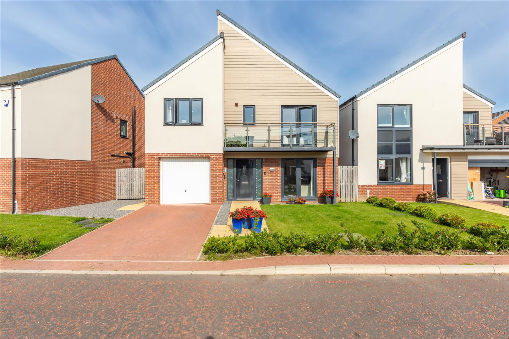 5 bed detached house for sale in Newcastle Upon Tyne, NE13 9DN - Property Image 1
