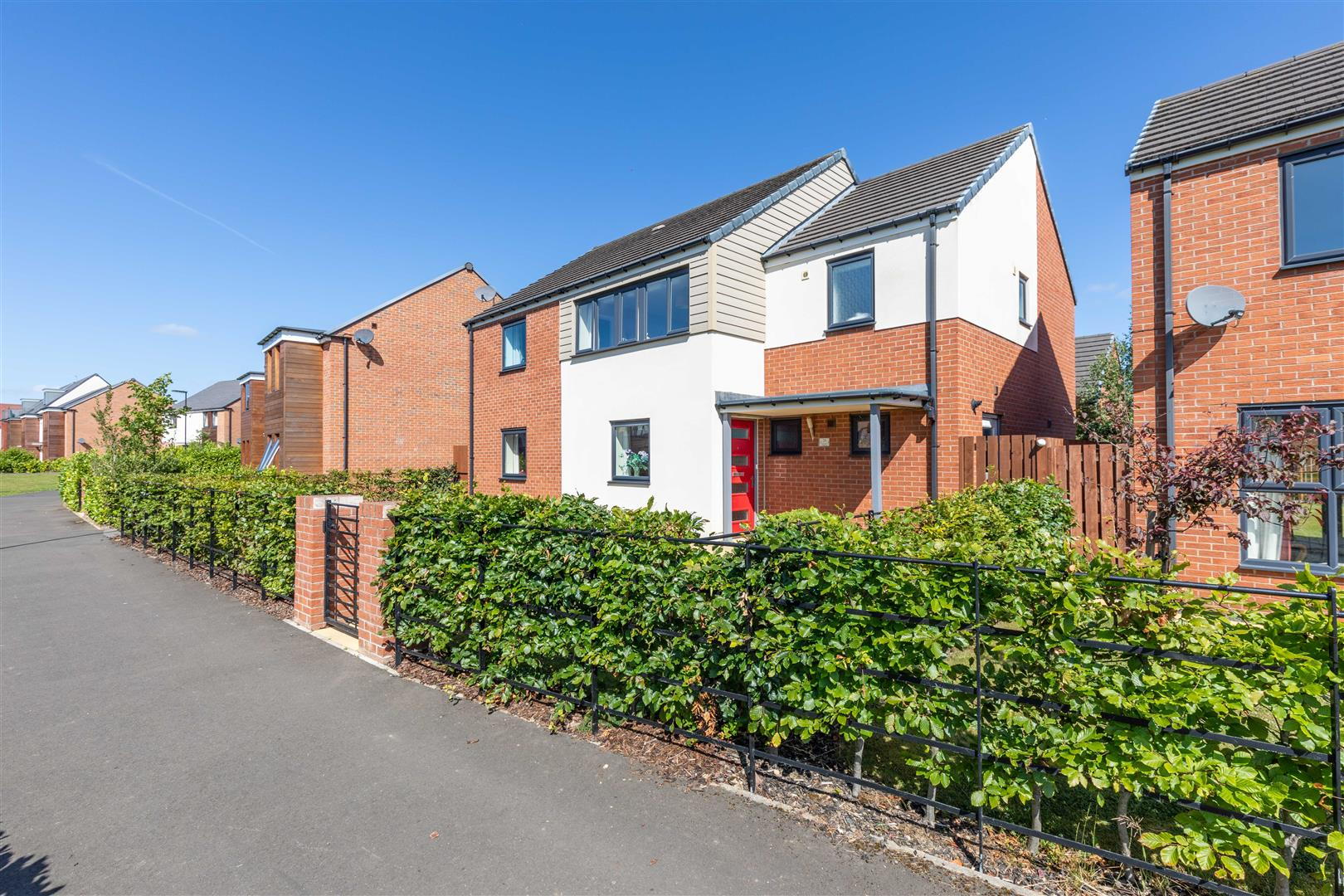 4 bed detached house for sale in Newcastle Upon Tyne, NE13 9AW - Property Image 1