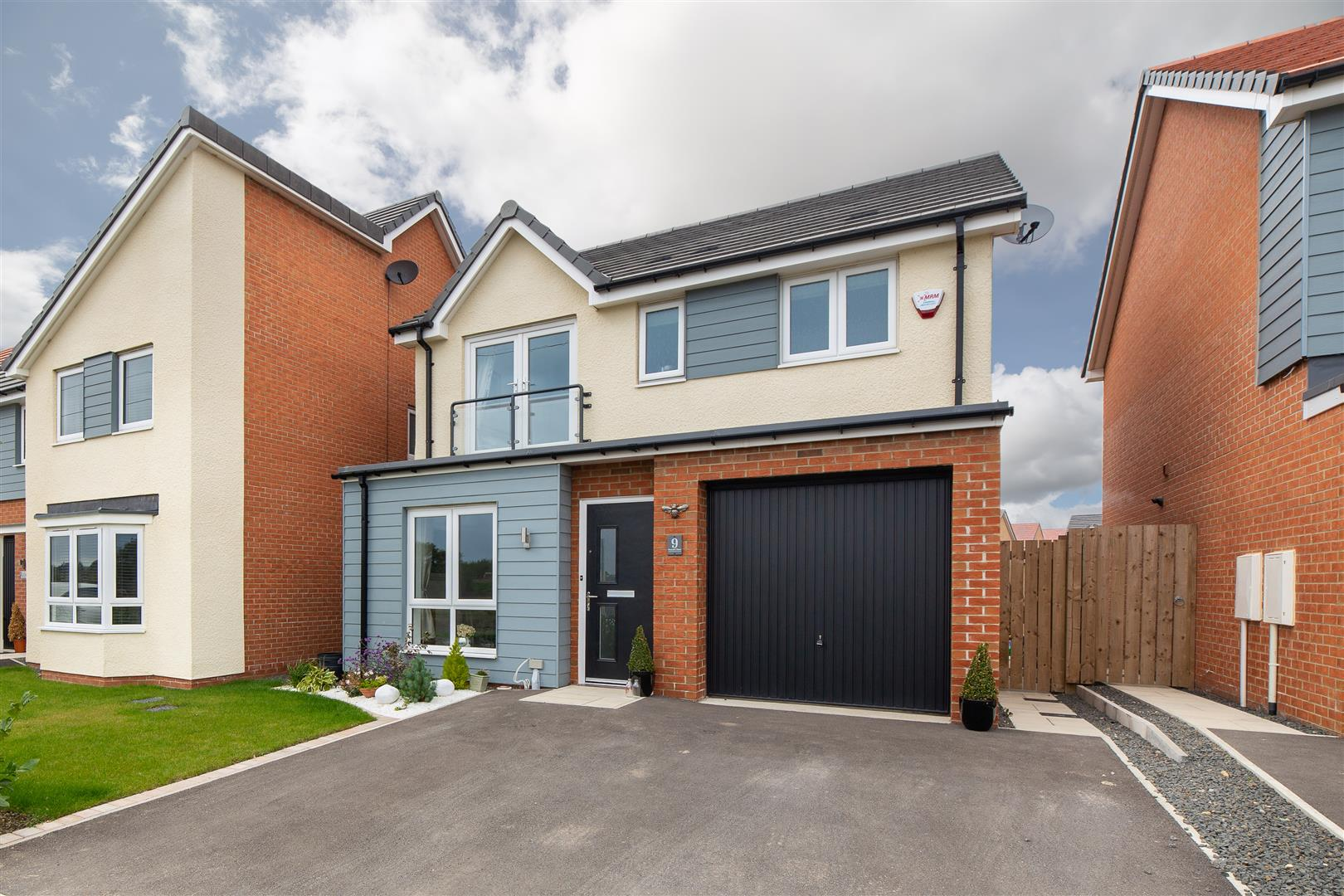 3 bed detached house for sale in Great Park, NE13 9EF  - Property Image 1